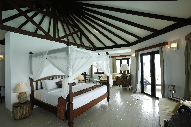 Kihaa Water Villa Chambre Maldives.JPG