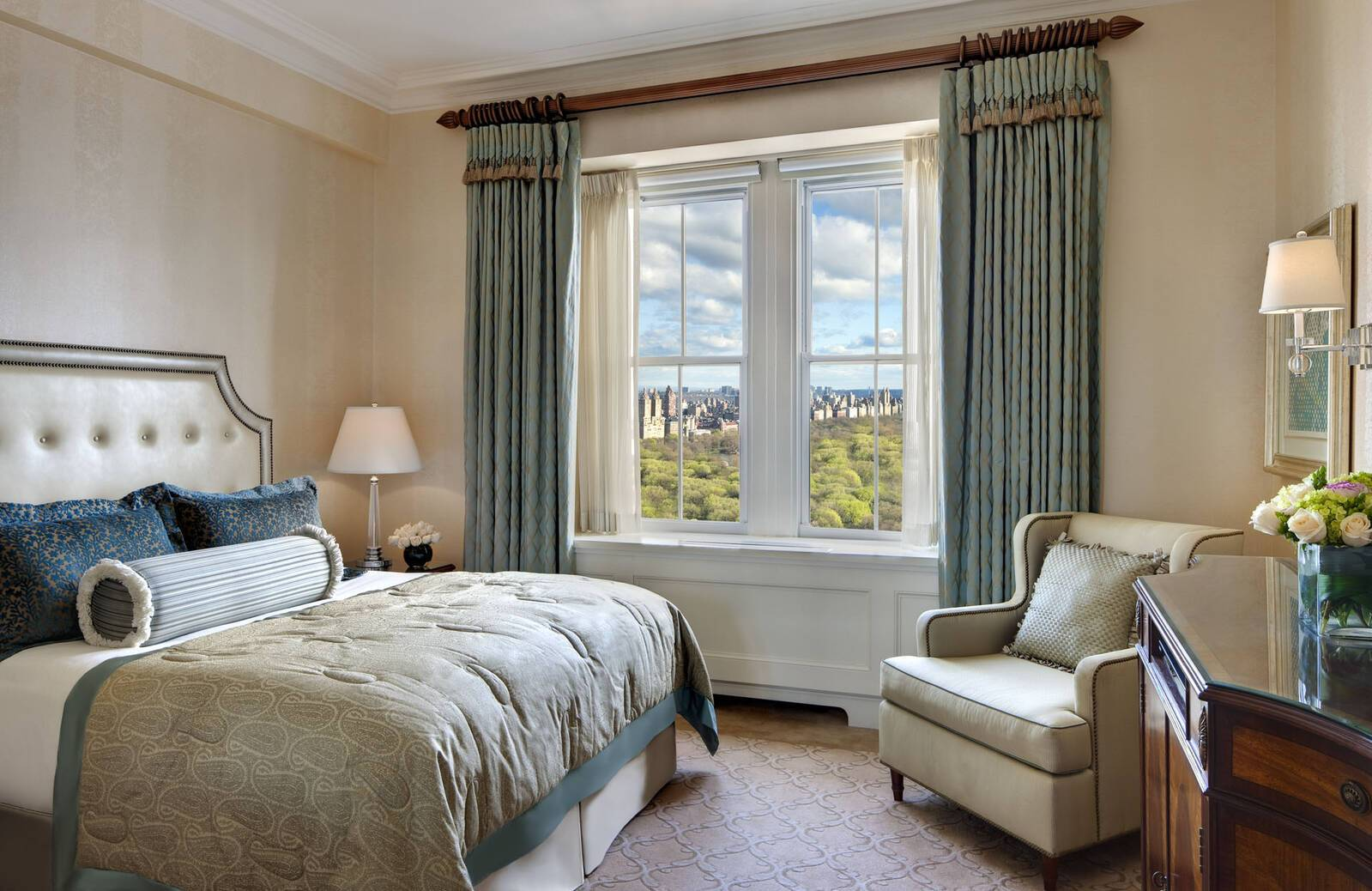 The Pierre New York park view king roomJPG