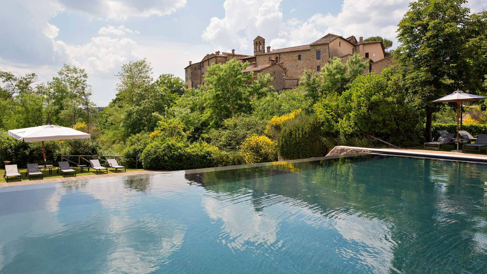 Castel Monastero Piscine Antinori