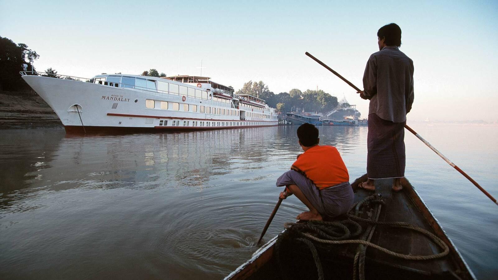 Belmond Road to Mandalay Myanmar Fleuve