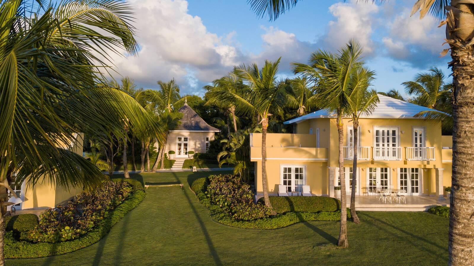Tortuga Bay Ocean Front Villas Oscar de la Renta Store Punta Cana