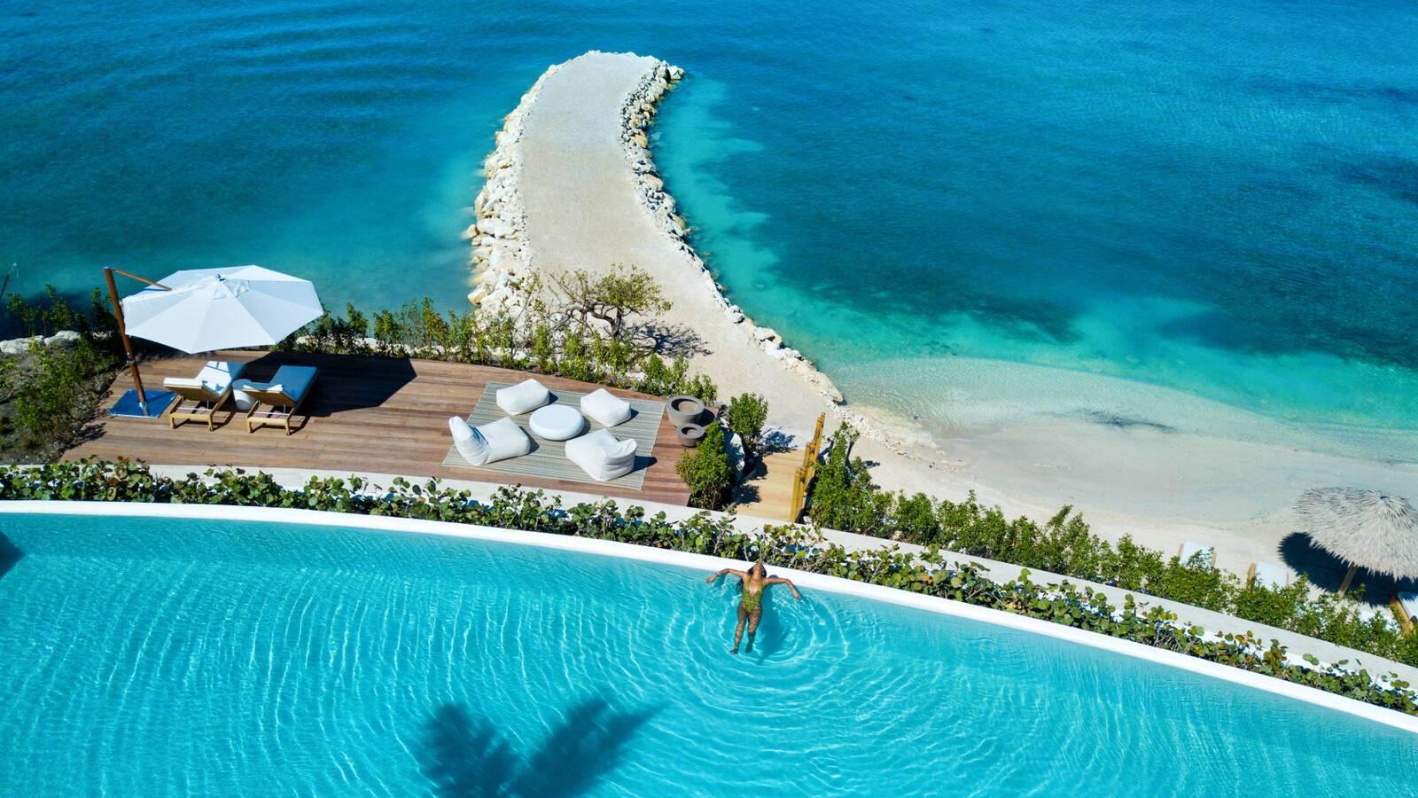 Jumby Bay Antigua et Barbuda piscine mer