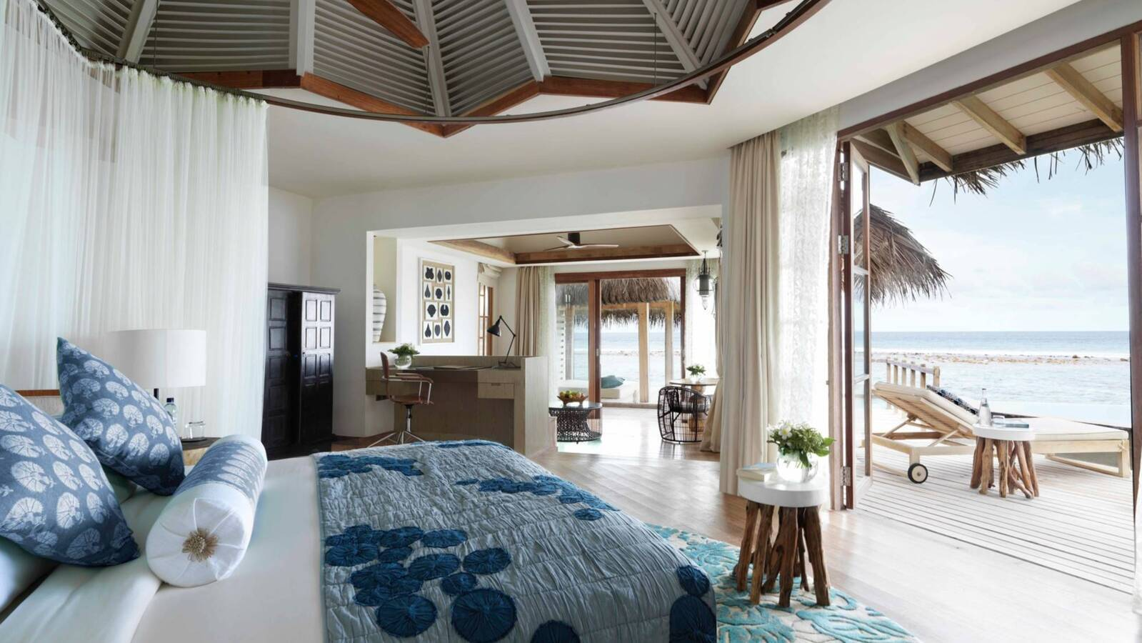 Jumeirah Vittaveli Water Villa Chambre