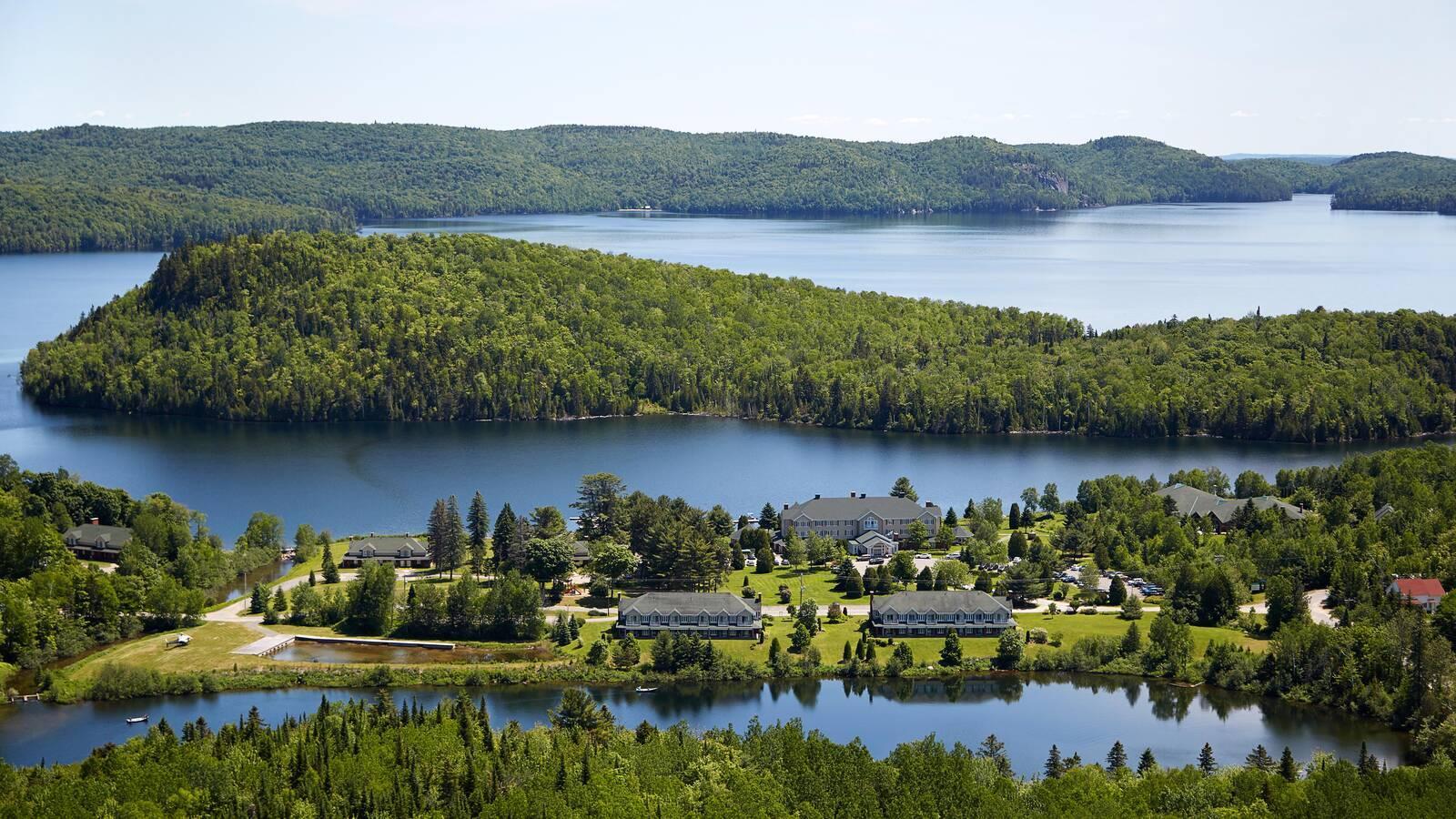 Lac A Eau Claire Quebec Canada