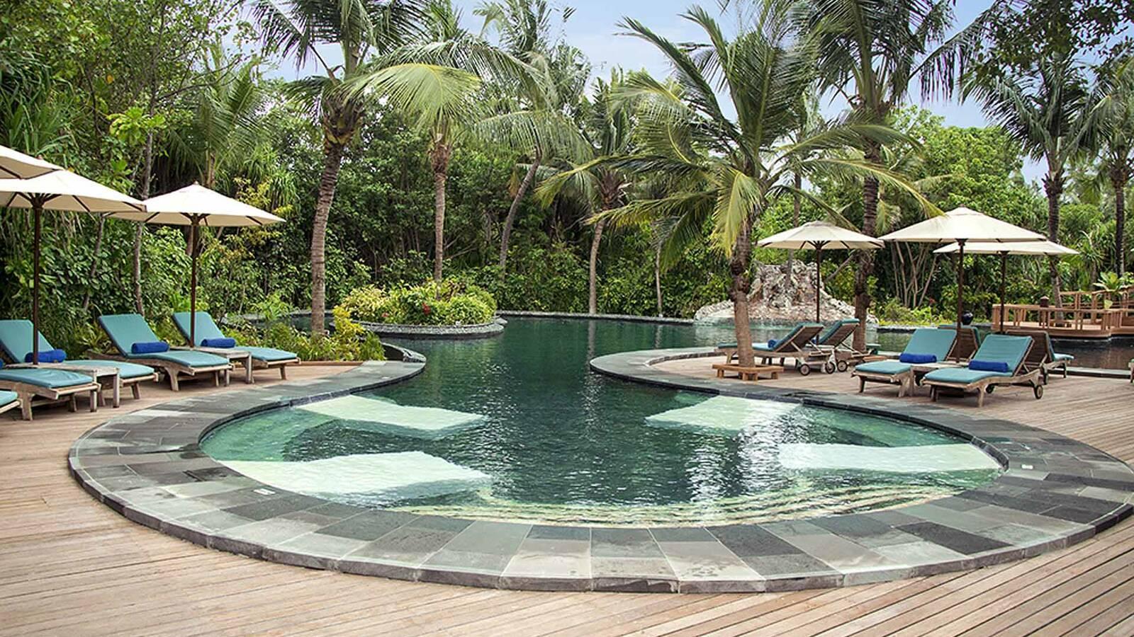 JA Manafaru Piscine Maldives