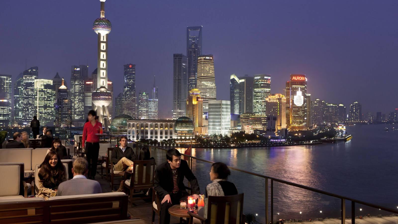 Peninsula Shanghai Sir Elly s Terrasse