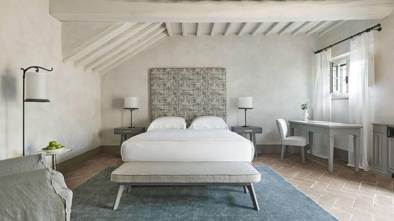 Como Castello del Nero Toscane Estate Bedroom