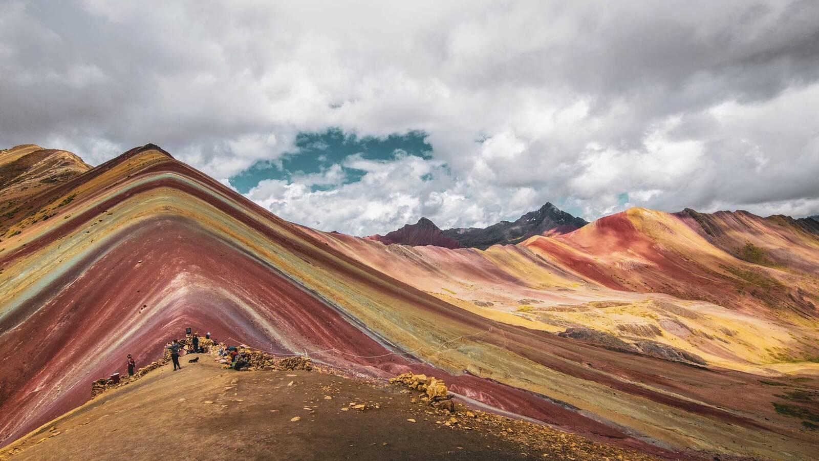 Perou cuzco montagnes multicolores