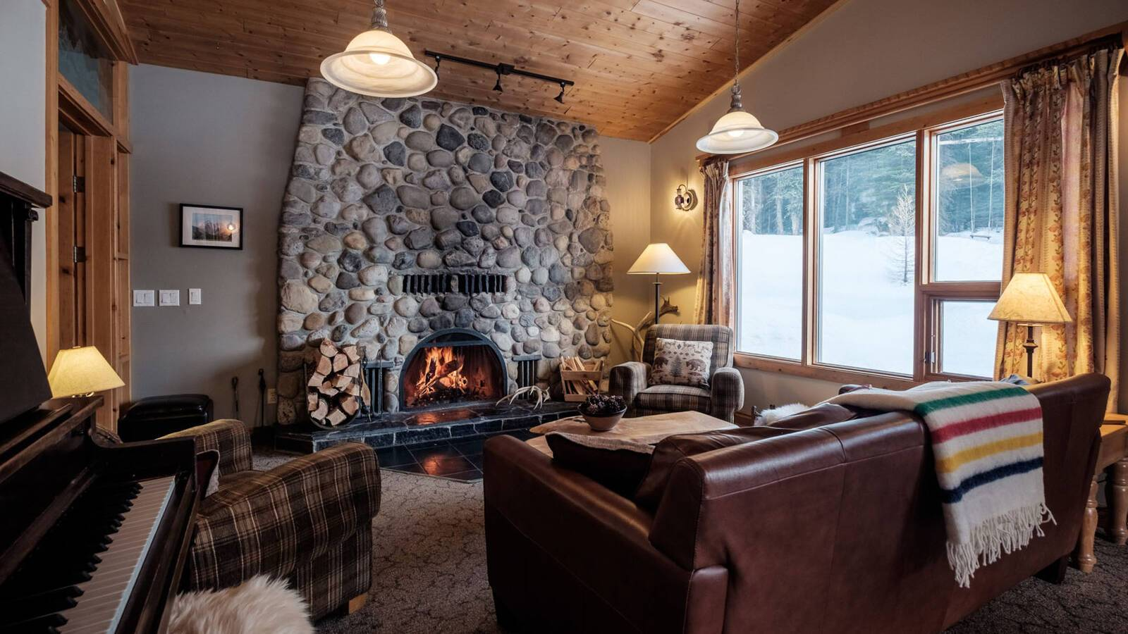 Mount Engadine Lodge Salon