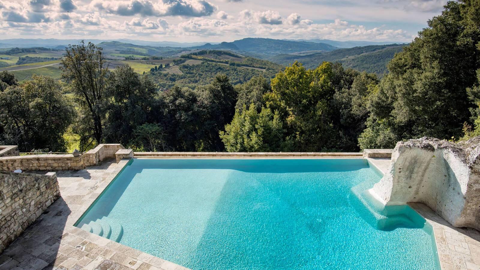 Borgo Pignano Toscane Vue Piscine