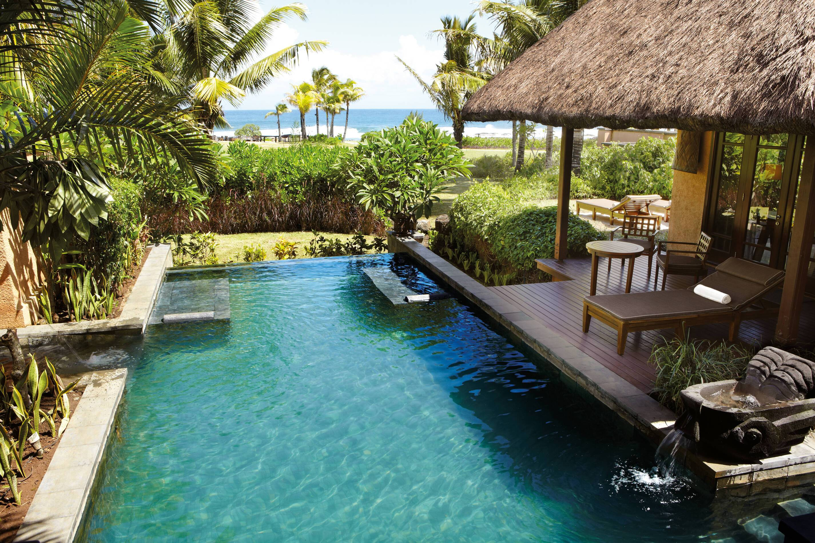 Shanti Maurice Bed Villa Pool