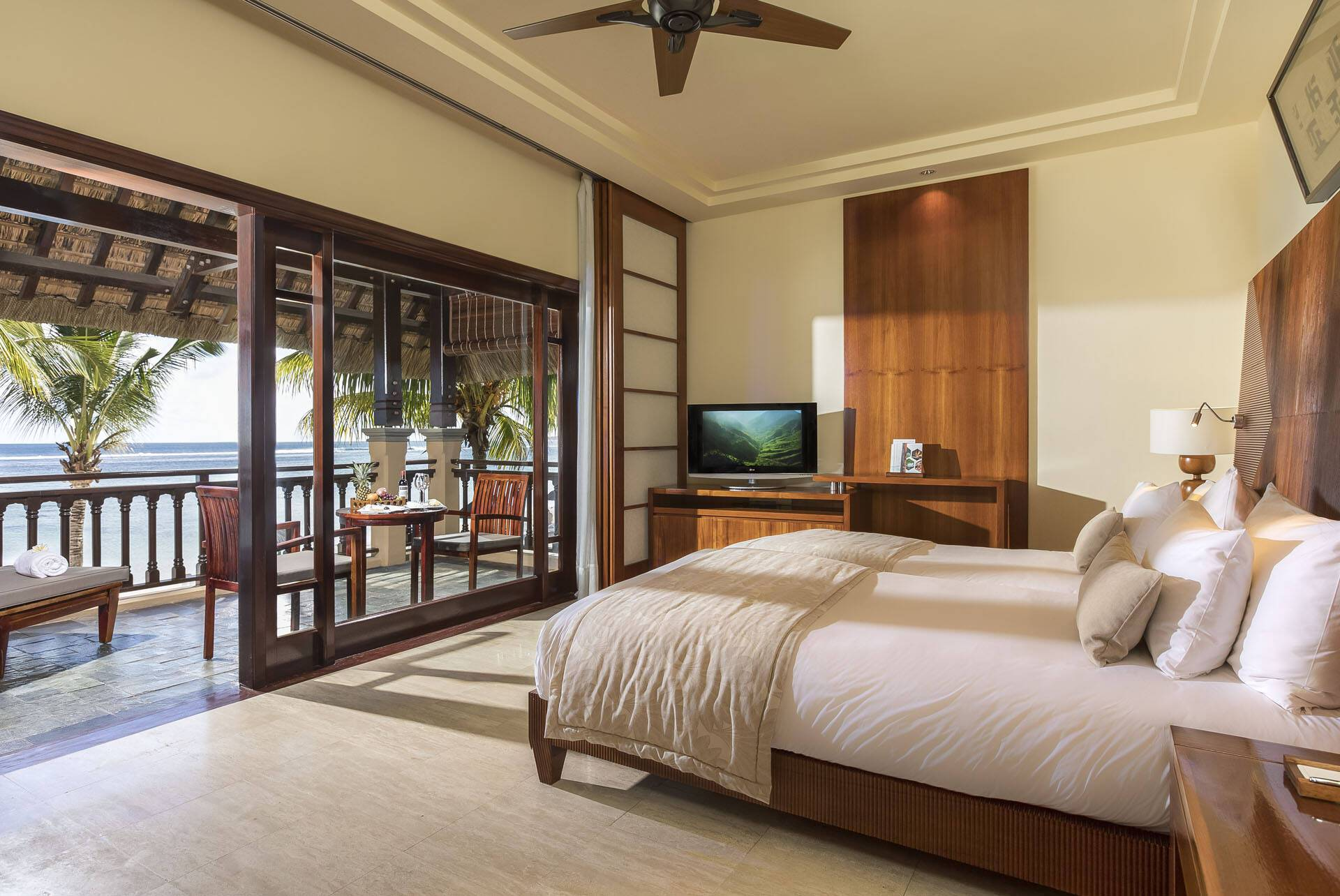 Shanti Maurice junior Suite Oceanfront