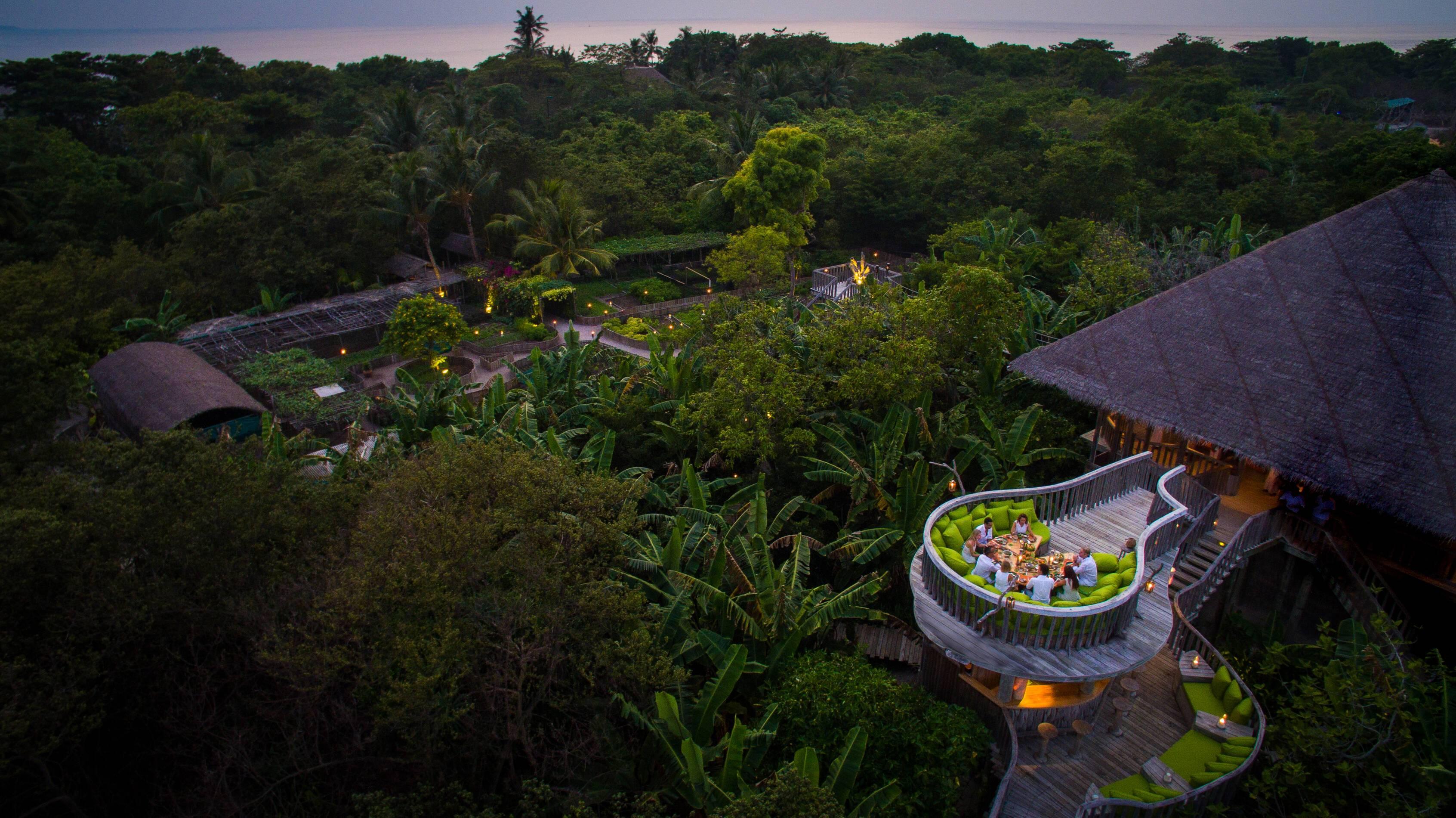 Soneva Fushi Restaurant Garden Maldives