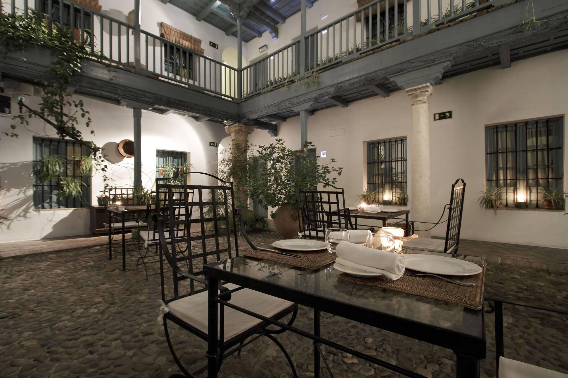 Hotel Hospes Casas Rey Baeza Patio Restaurant