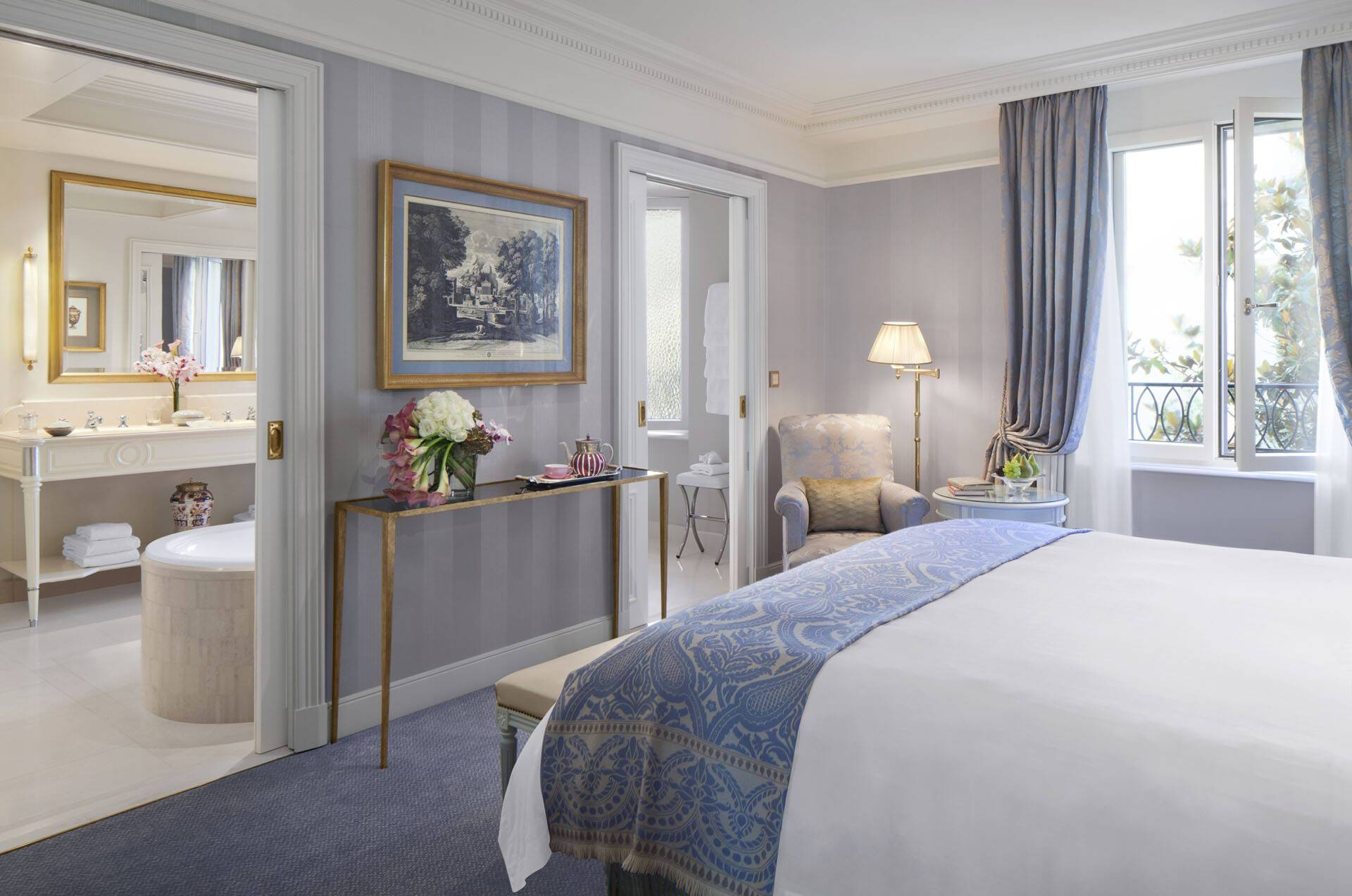 Four Seasons Geneve Bergues Superior Room