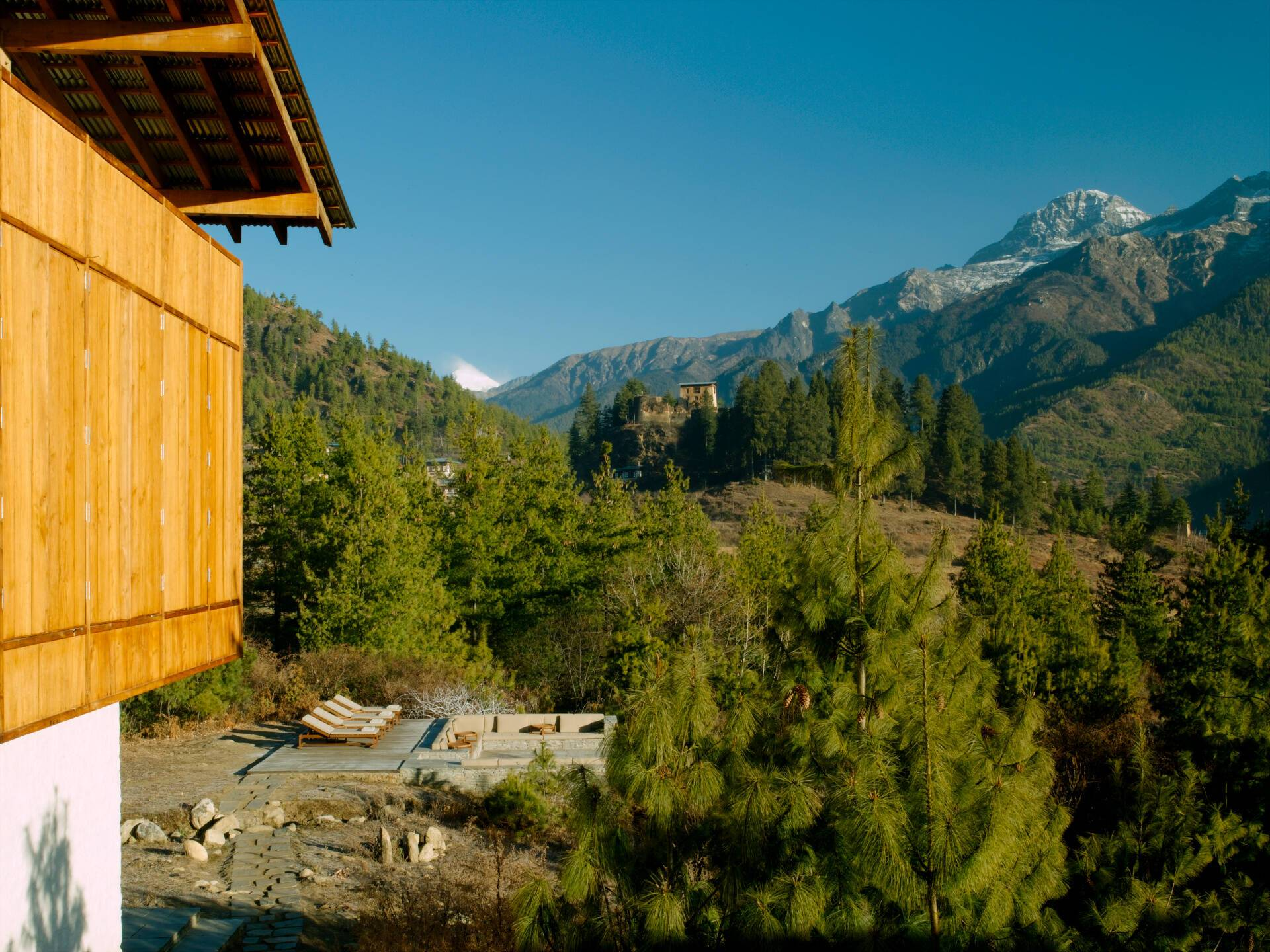 Paro Amankora Lodge Terrasse Bhoutan Amanresorts