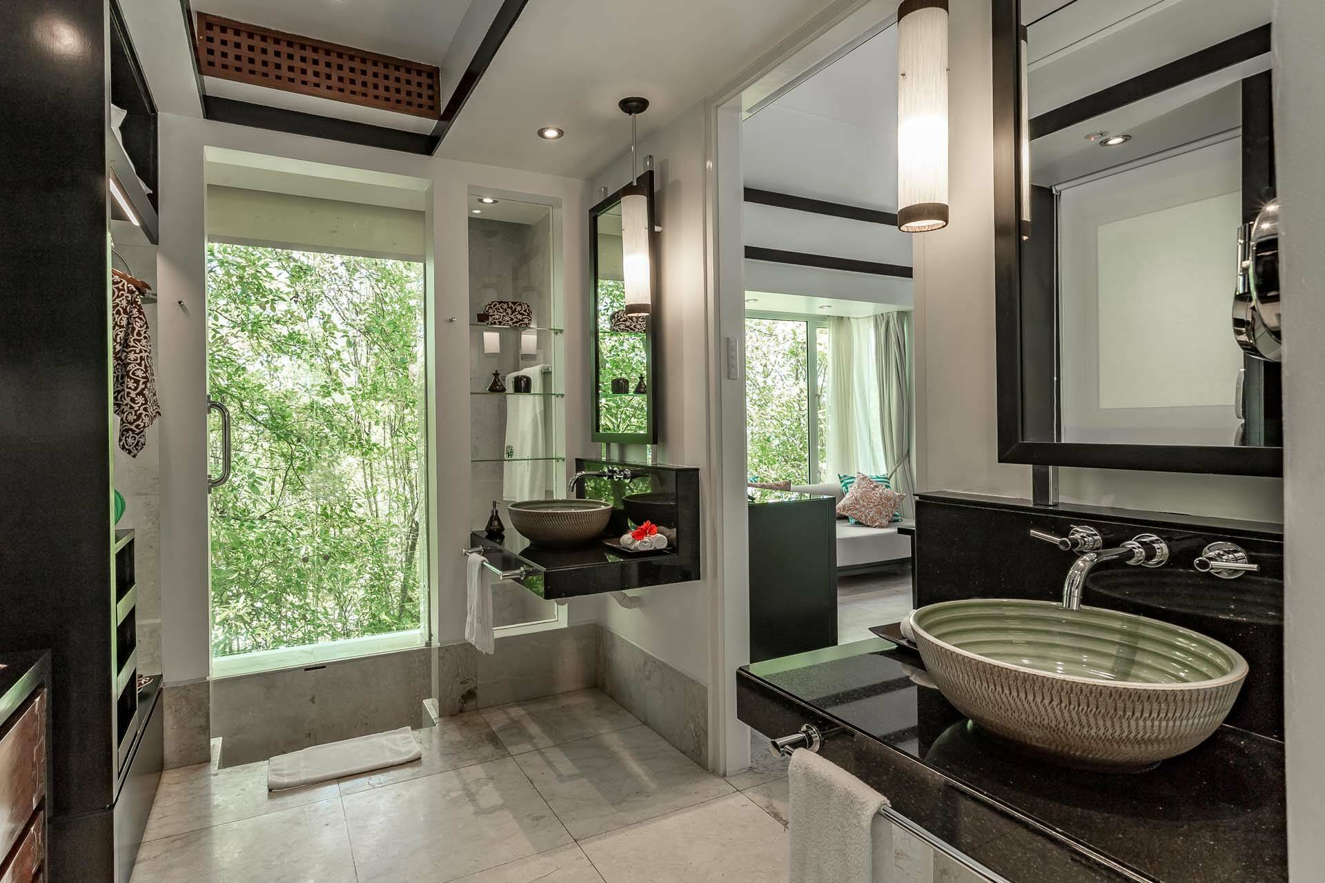 Banyan Tree Seychelles bathroom