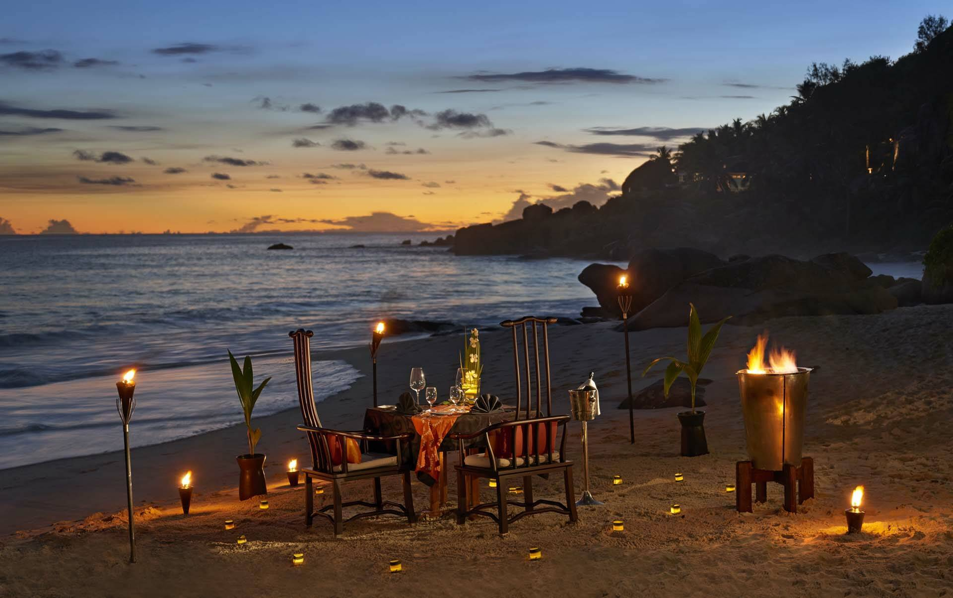 Banyan Tree Seychelles romantic beach dinner