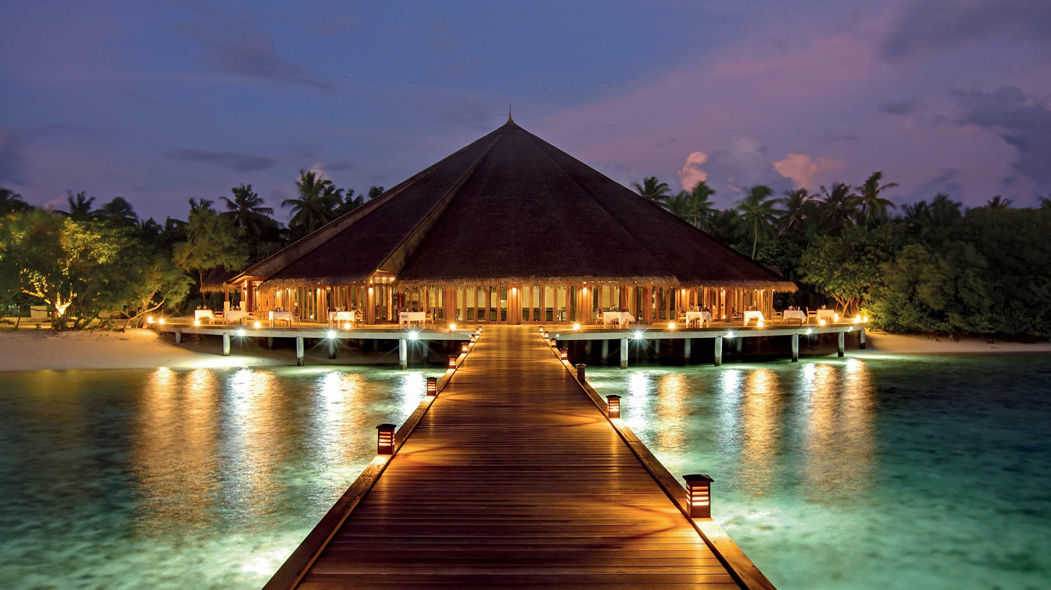 Hideaway Beach Restaurant Matheefaru Jetee Maldives