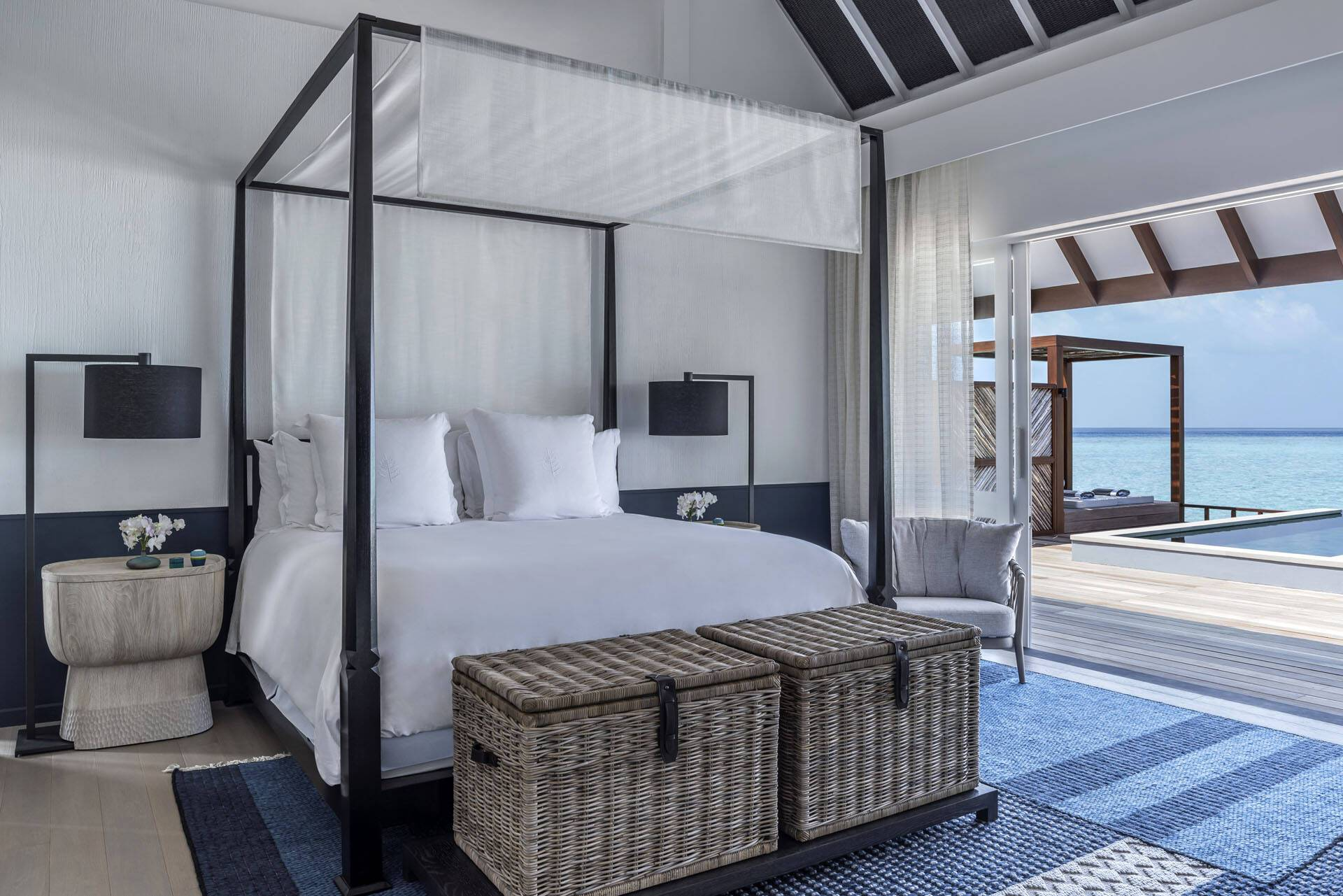 Four Seasons Landaa Giraavaru Maldives Water Villa Chambre