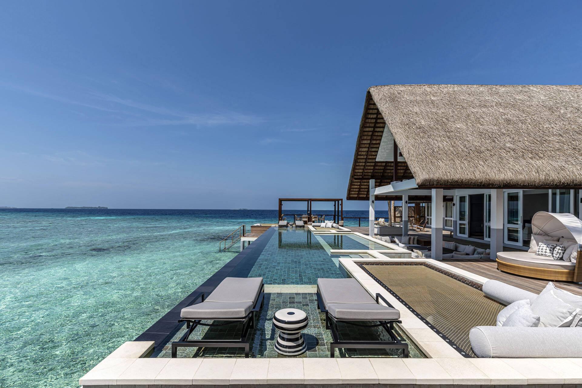 Four Seasons Landaa Giraavaru Maldives Water Villas Piscine