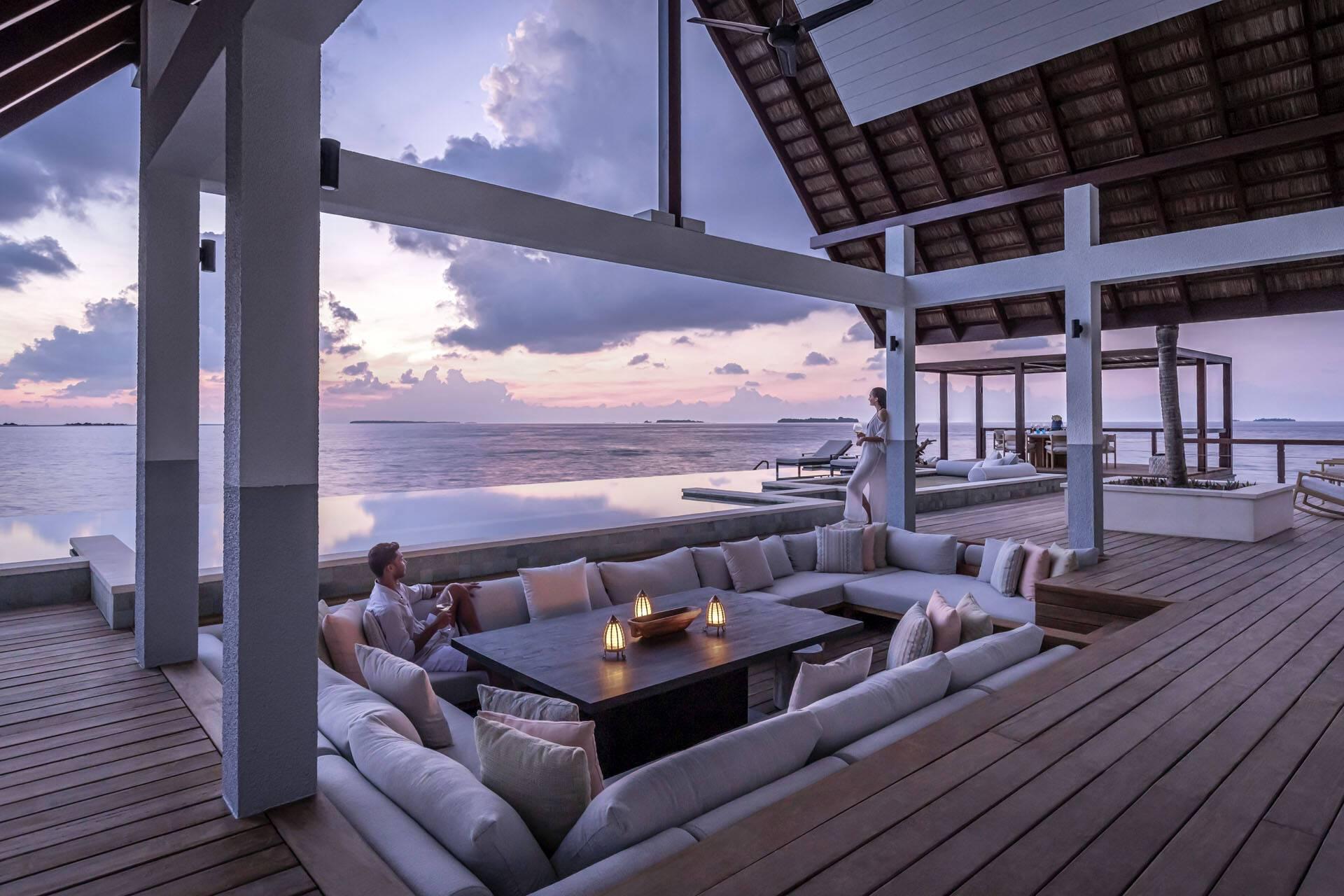 Four Seasons Landaa Giraavaru Maldives Water Villas Soiree