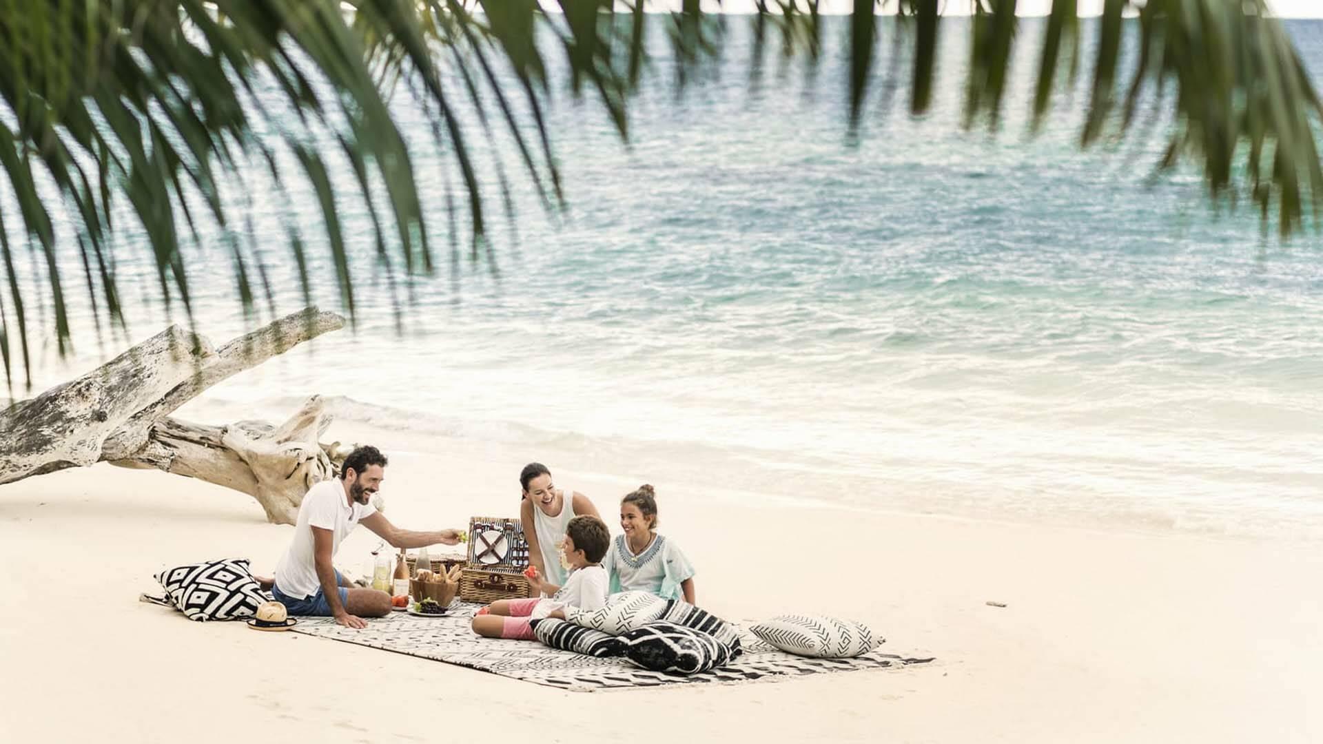 Four Seasons Desroches beach family