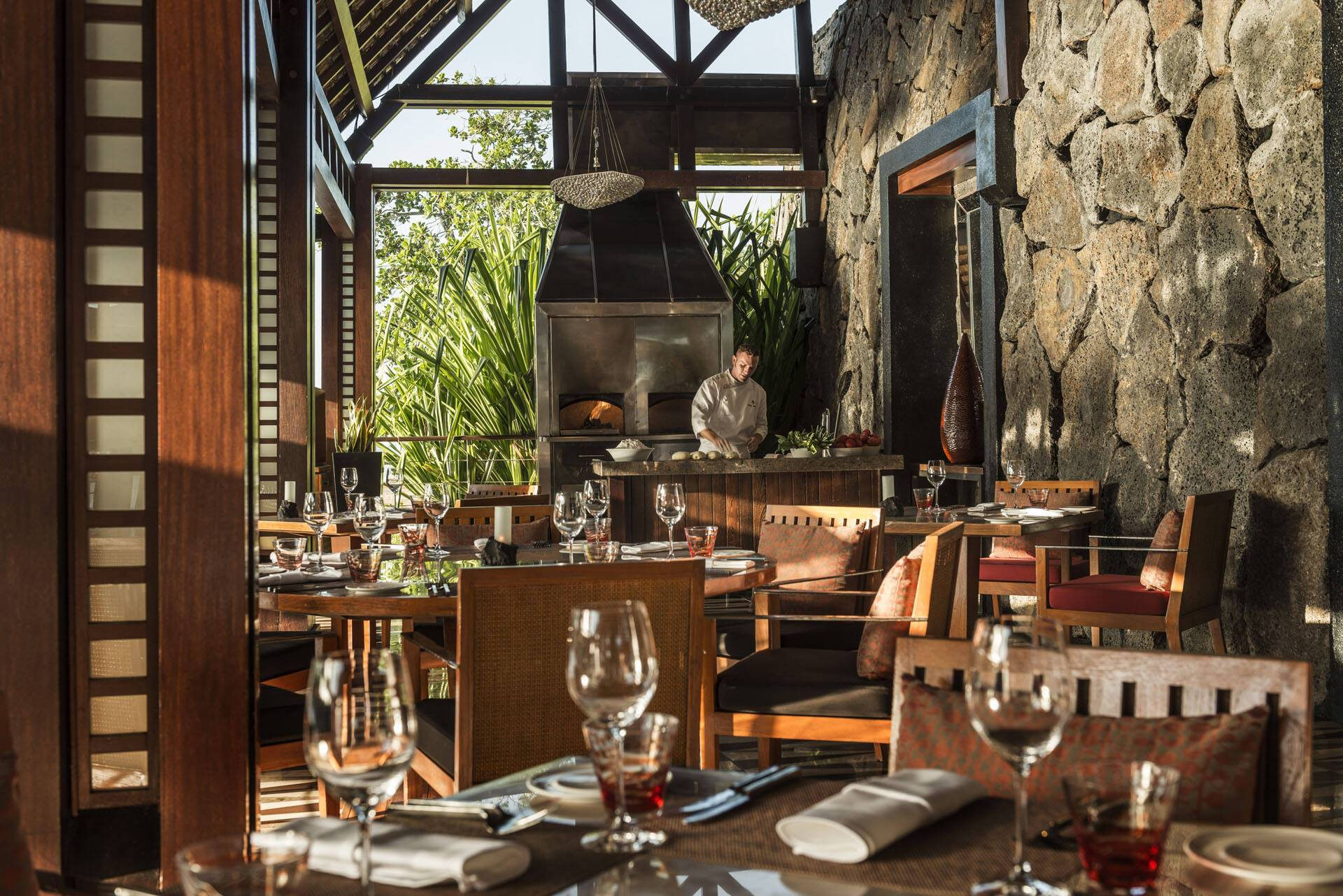 Four Seasons Maurice Anahita Restaurant Acquapazza