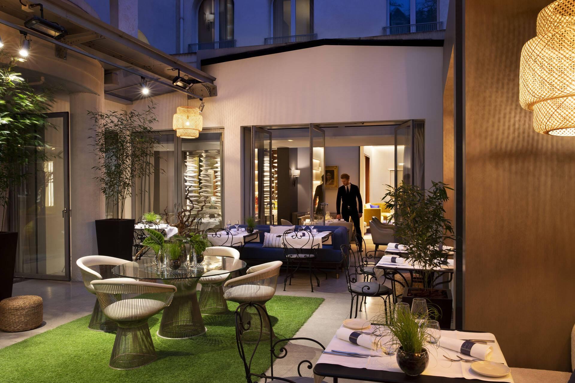 Hotel Sers Paris Restaurant Patio