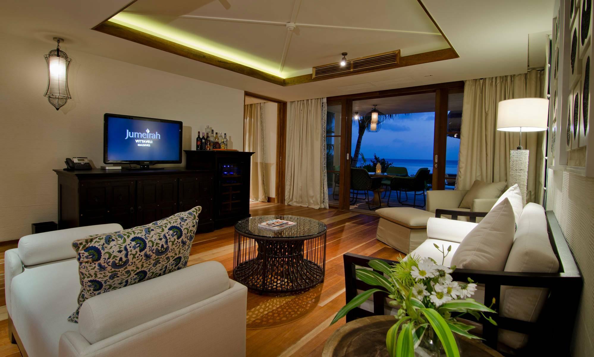 Jumeirah Vittaveli Beach Suite Living Maldives