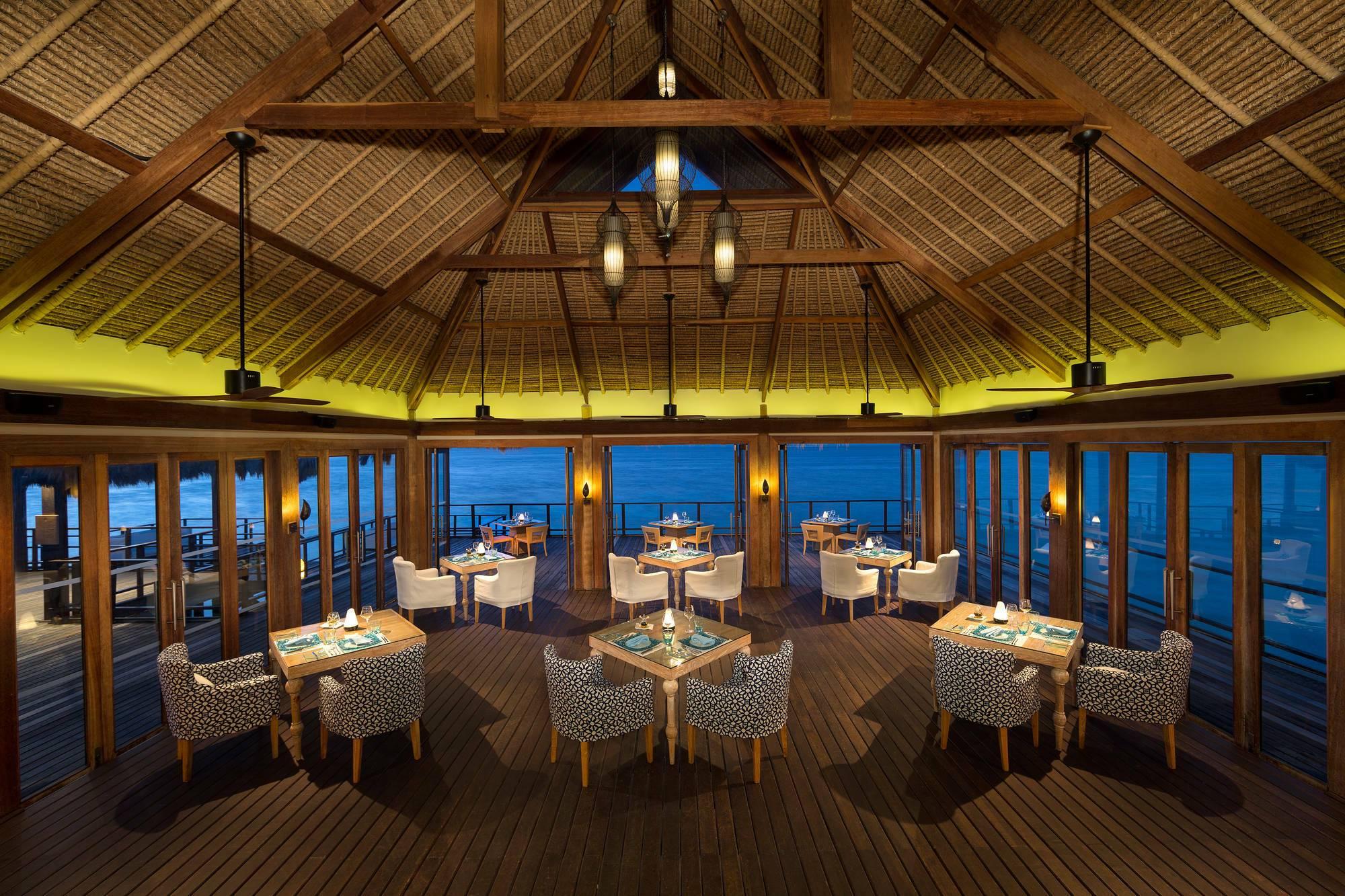 Jumeirah Vittaveli Restaurant Fessele Maldives