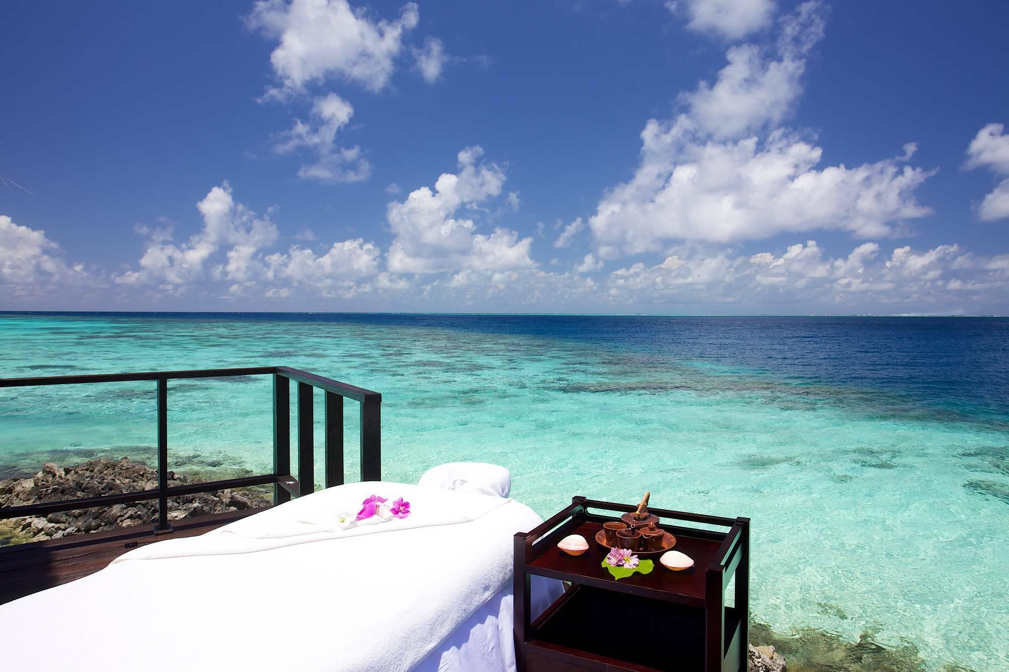Jumeirah Vittaveli Spa Maldives