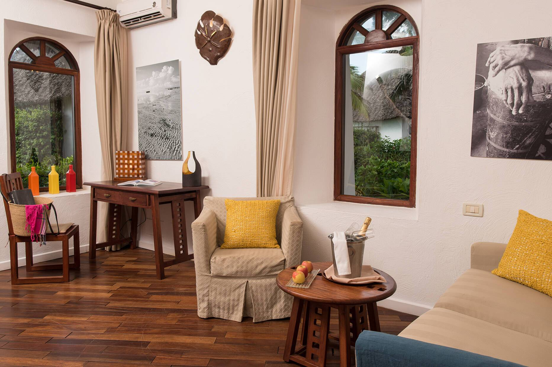Essque Zalu Suite Living Zanzibar