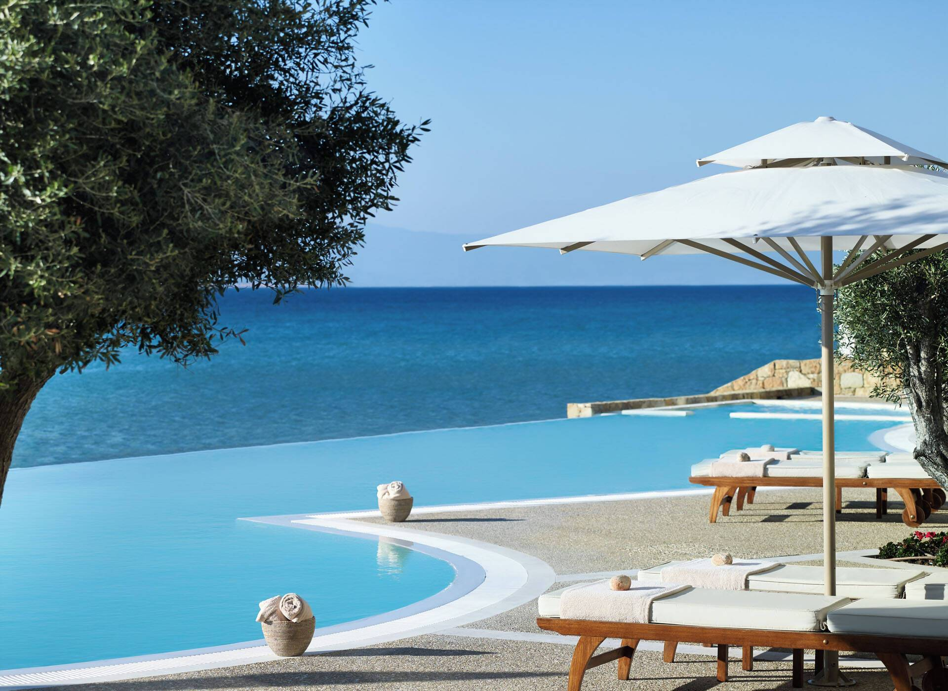 Sani Resort Thessalonique Grece Infinity Pool