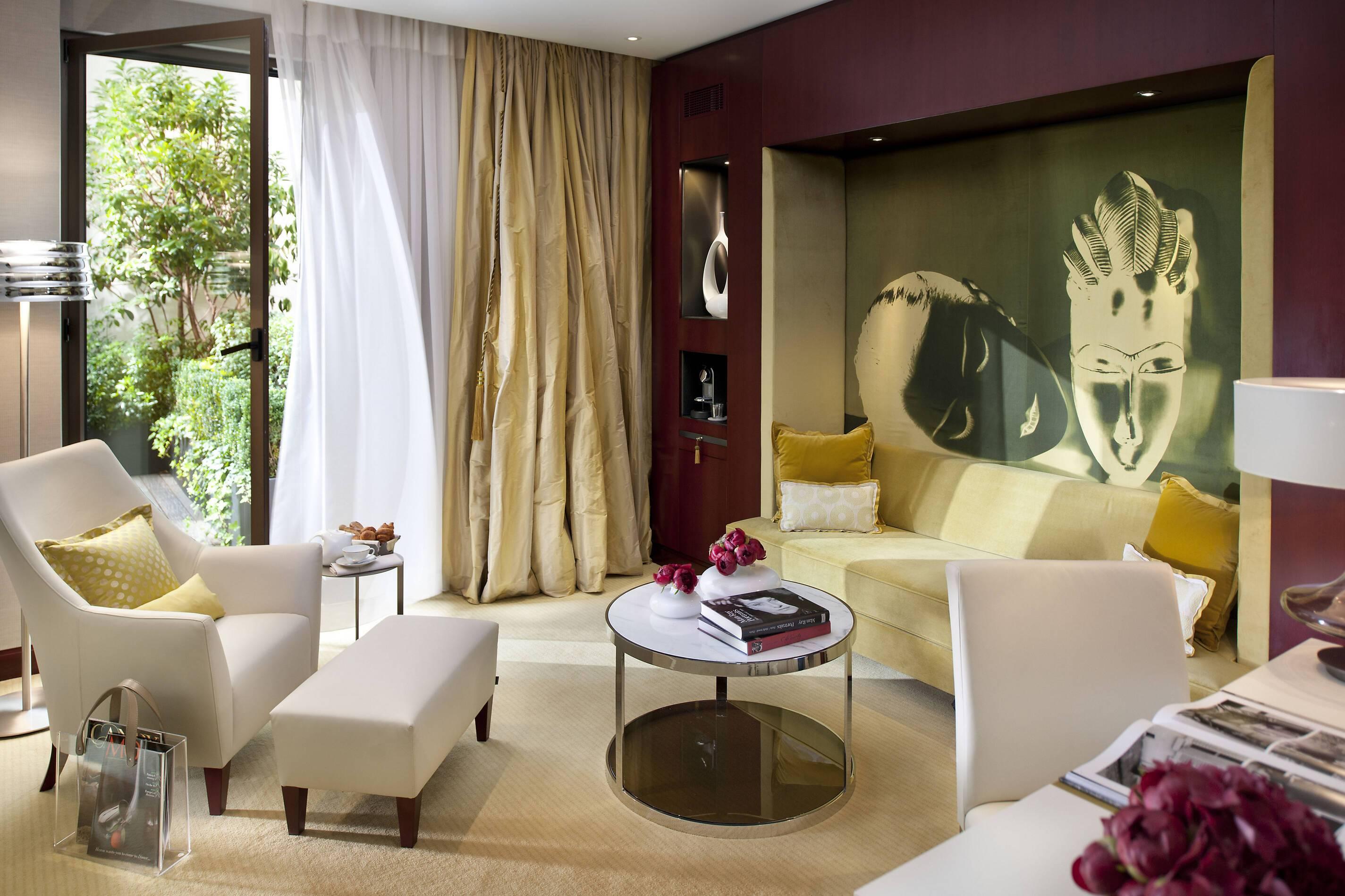 Mandarin Oriental Suite Terrace Living Paris