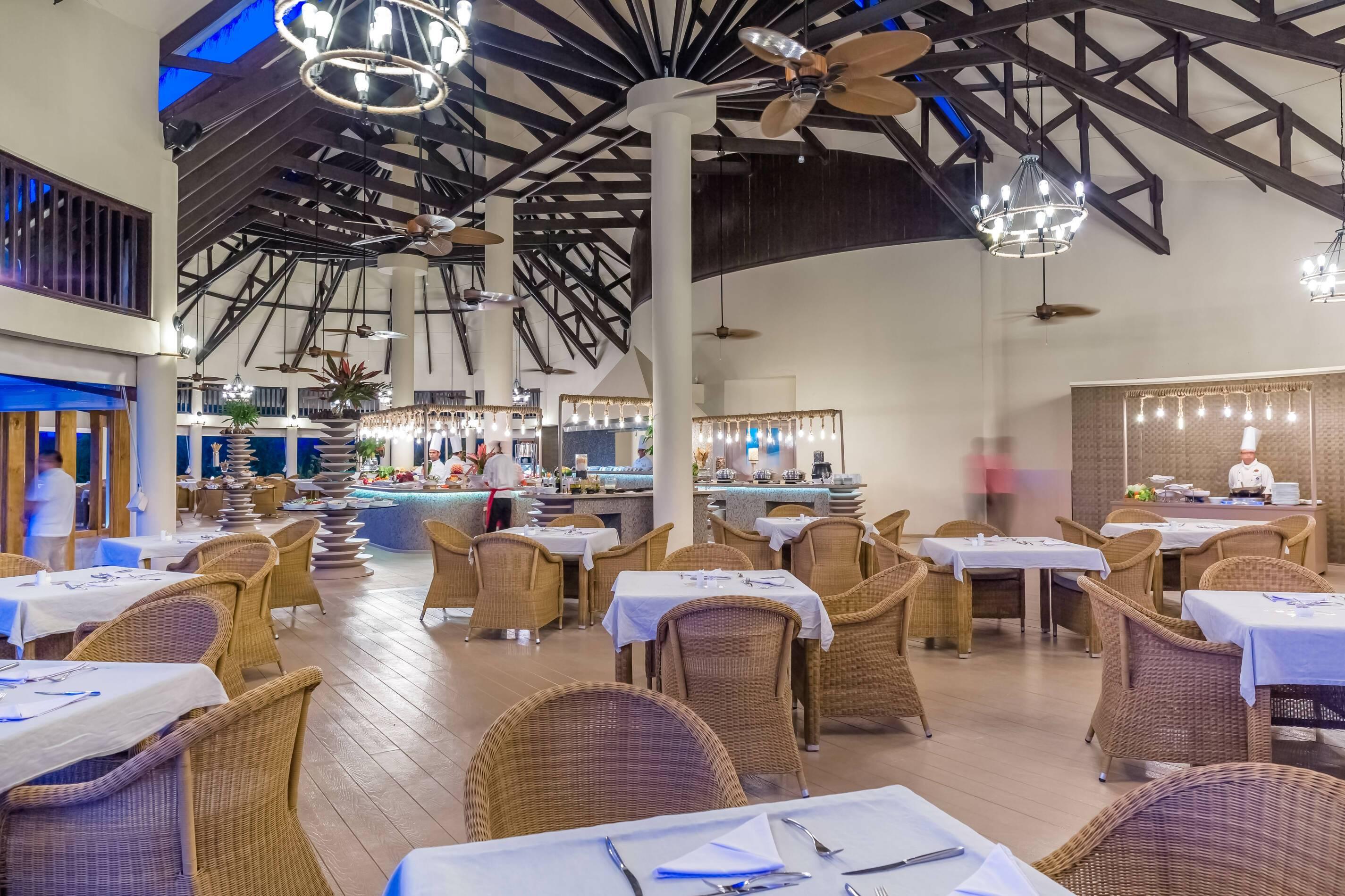 Kihaa Restaurant Hanifaru Bay Maldives