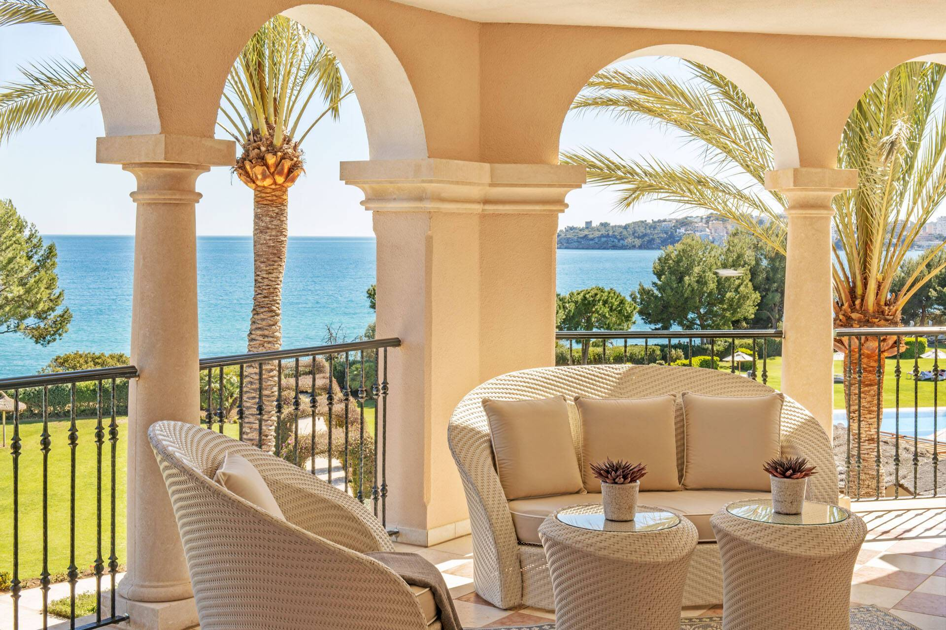 St Regis Mardavall Resort Majorque King Diamond Suite Terrace