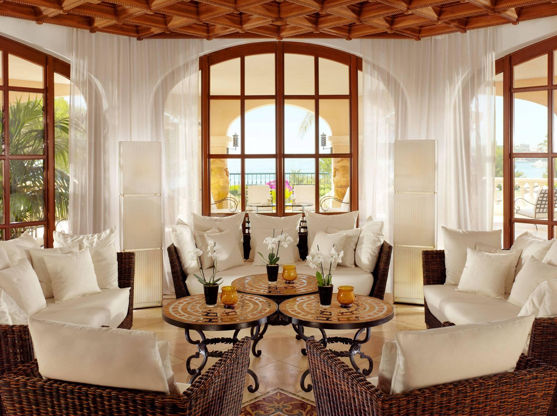 St Regis Mardavall Resort Majorque Moroccan Lounge