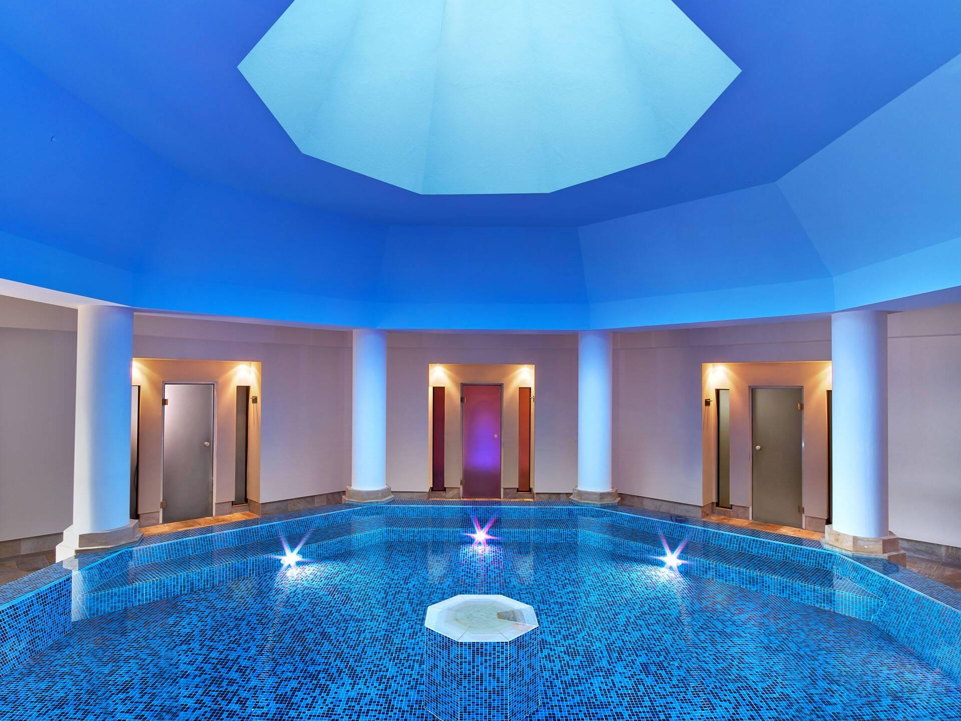 St Regis Mardavall Resort Majorque Piscine Interieure