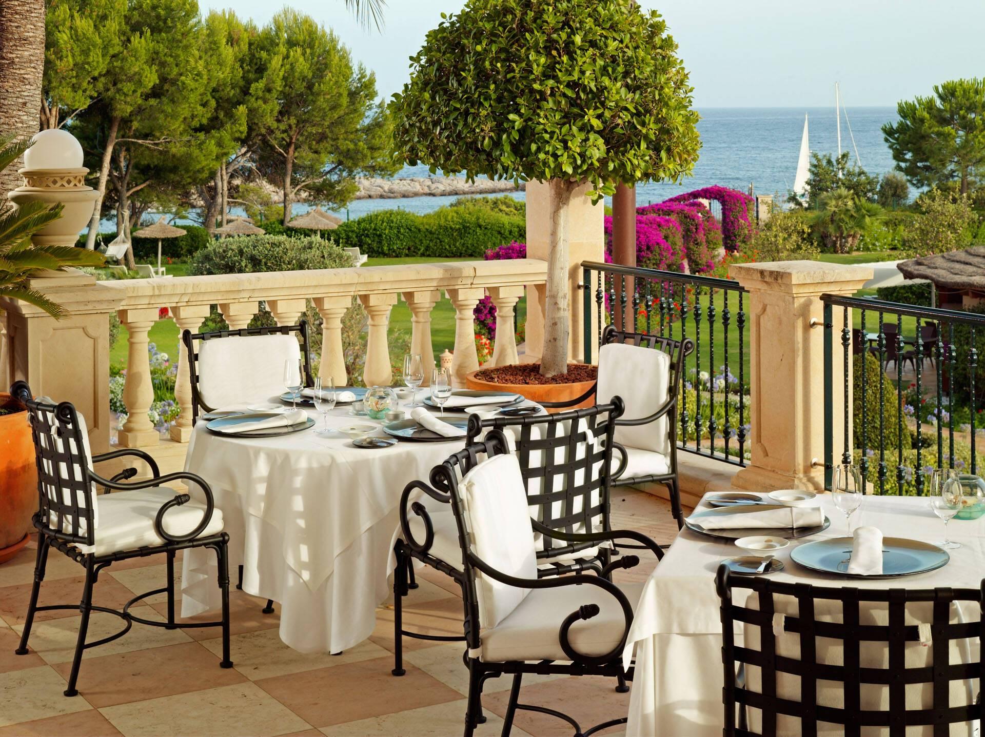 St Regis Mardavall Resort Majorque Restaurant Es Fum Terrasse