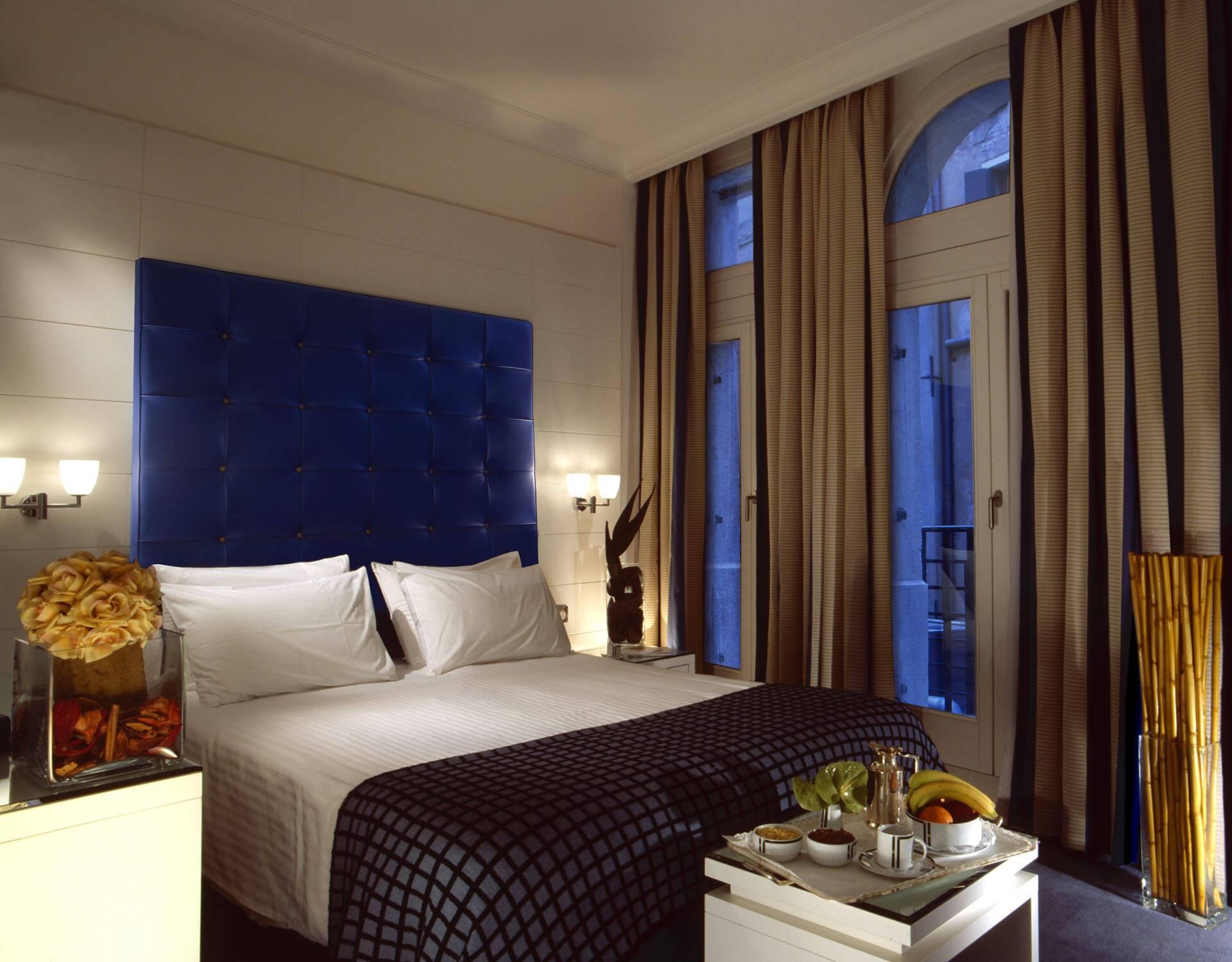 Bonvecchiati Palace Venise blue chambre.JPG
