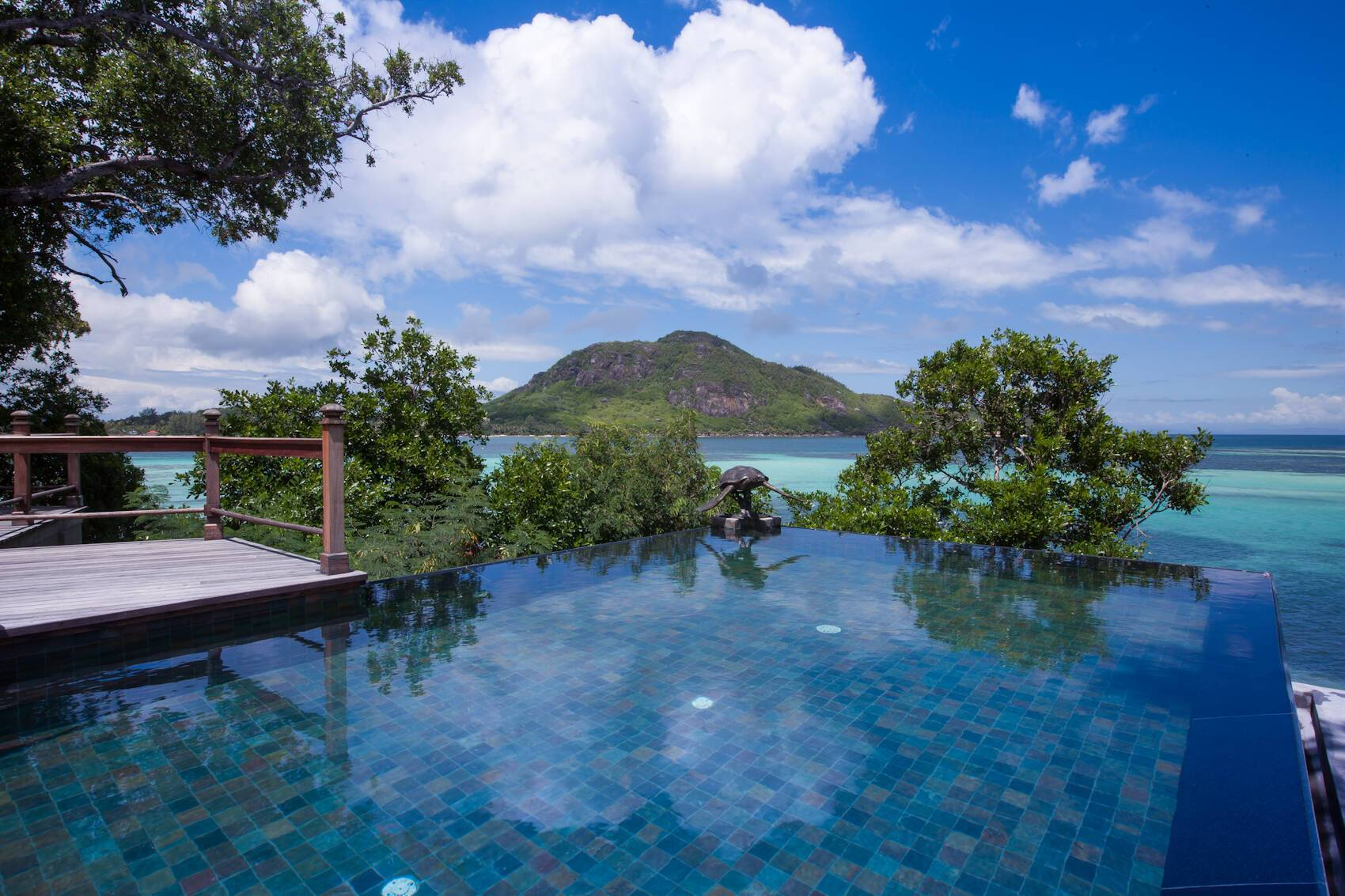 Enchanted Island Seychelles piscine