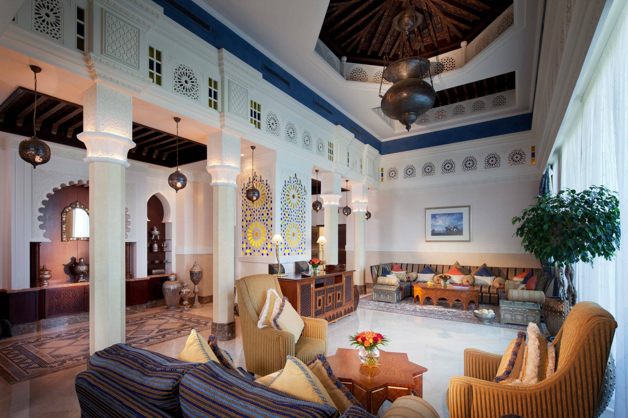 Jumeirah al Qasr Dubai Royal suite living