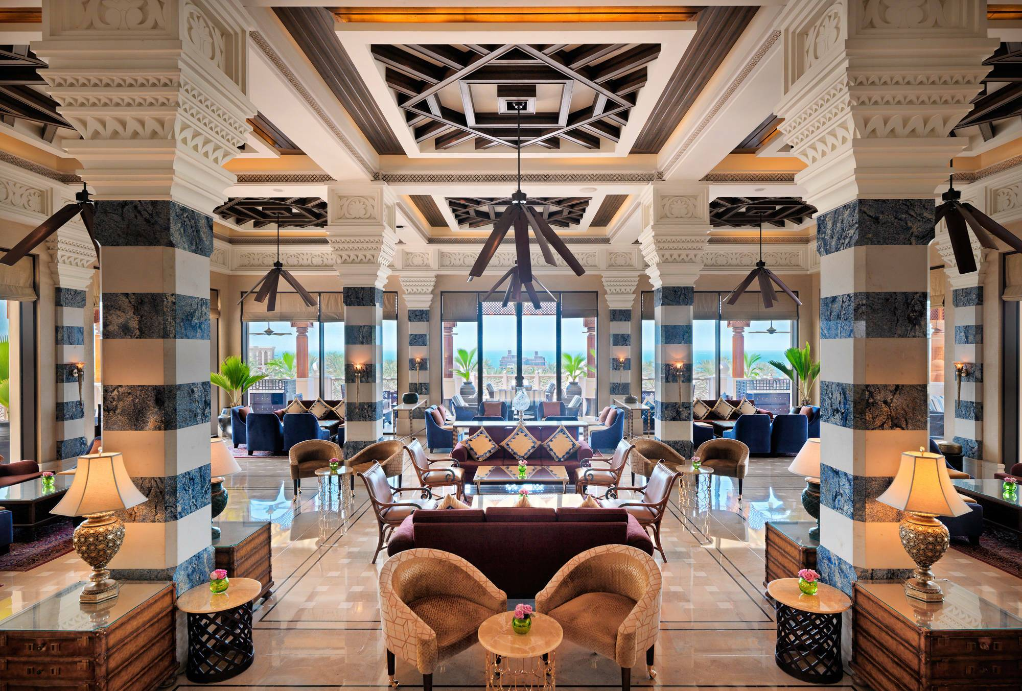 Jumeirah al Qasr Dubai al fayrooz lounge