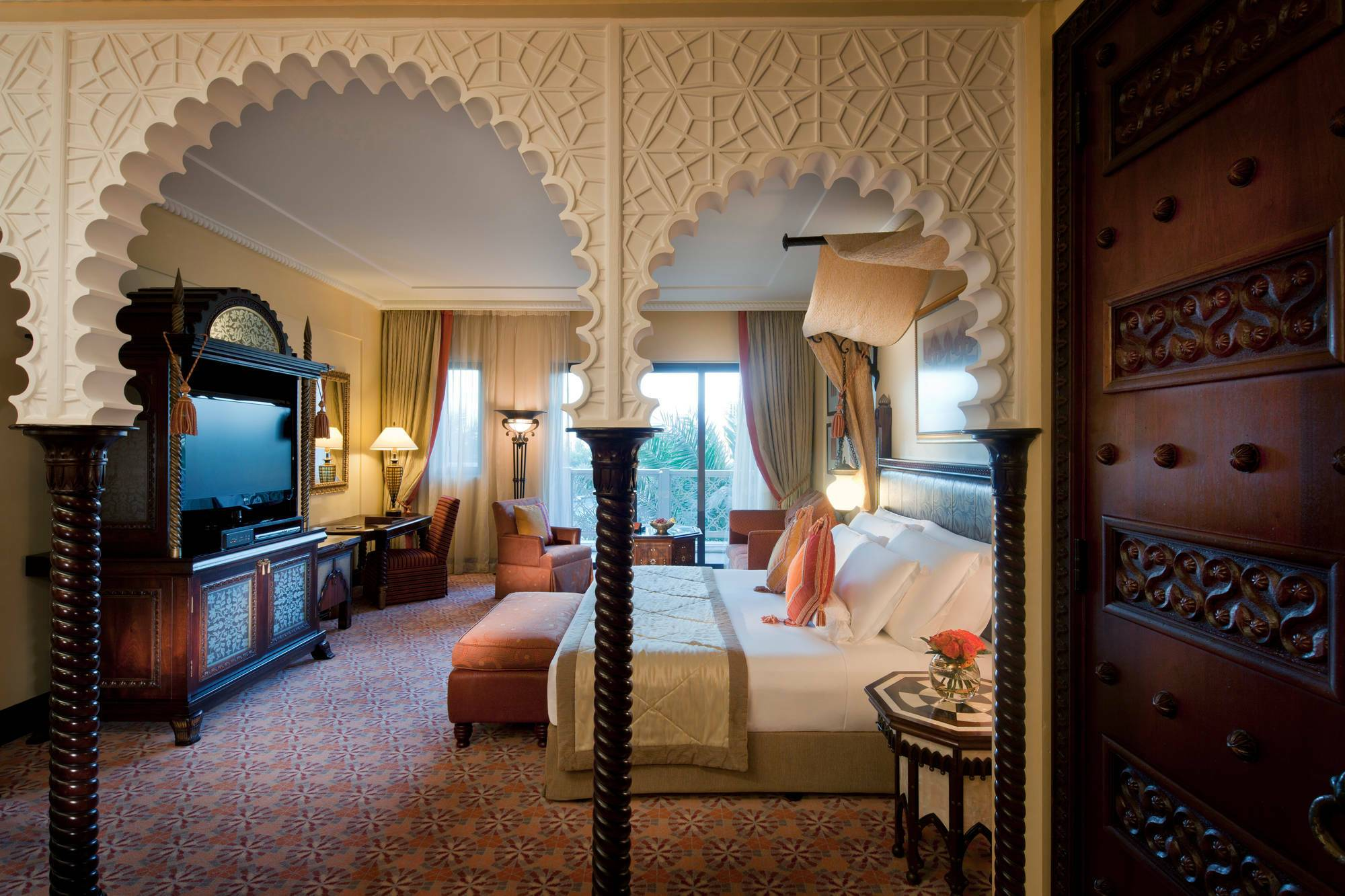 Jumeirah al Qasr Dubai arabian deluxe room