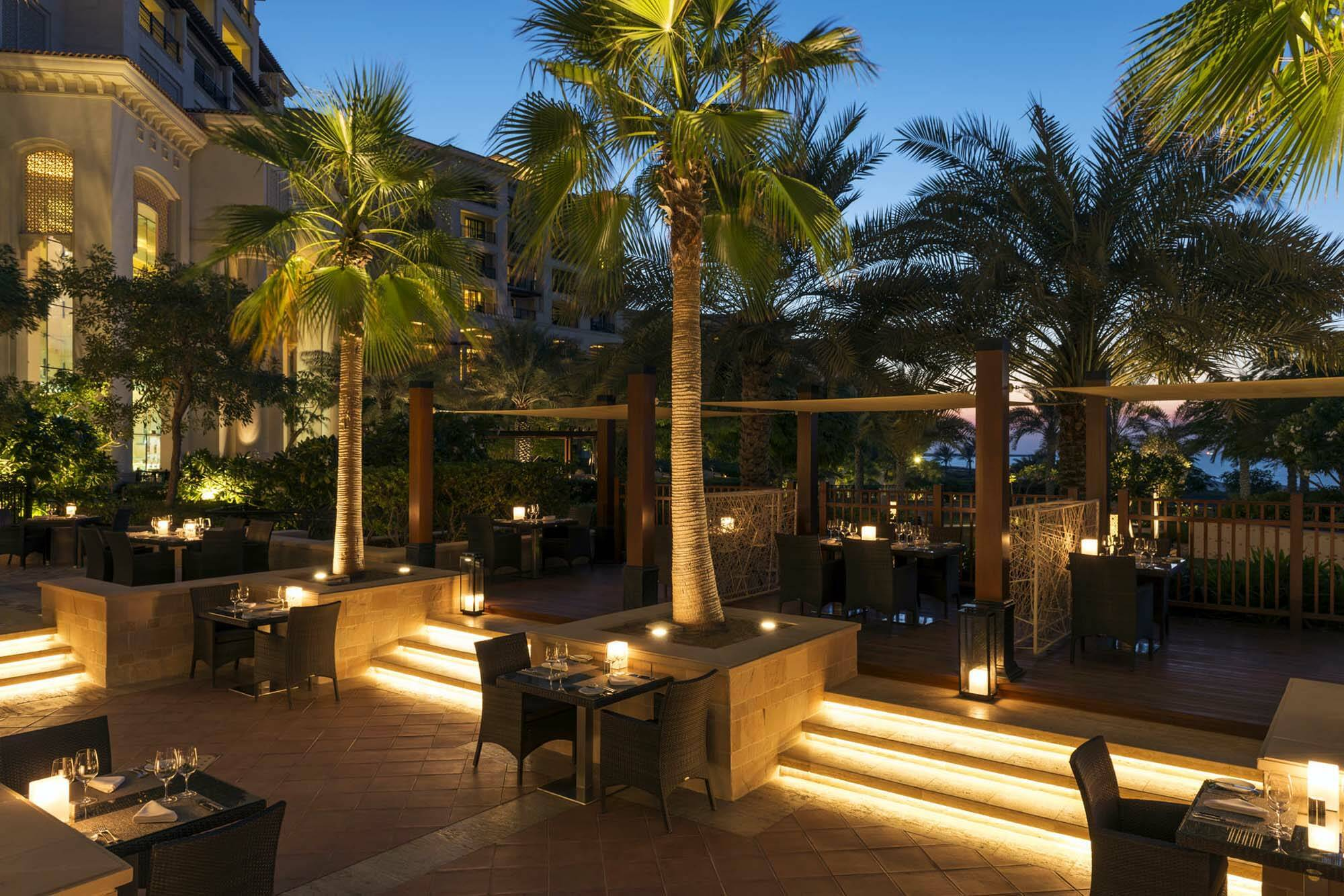 Saint Regis Saadiyat Abu Dhabi restaurant exterieur