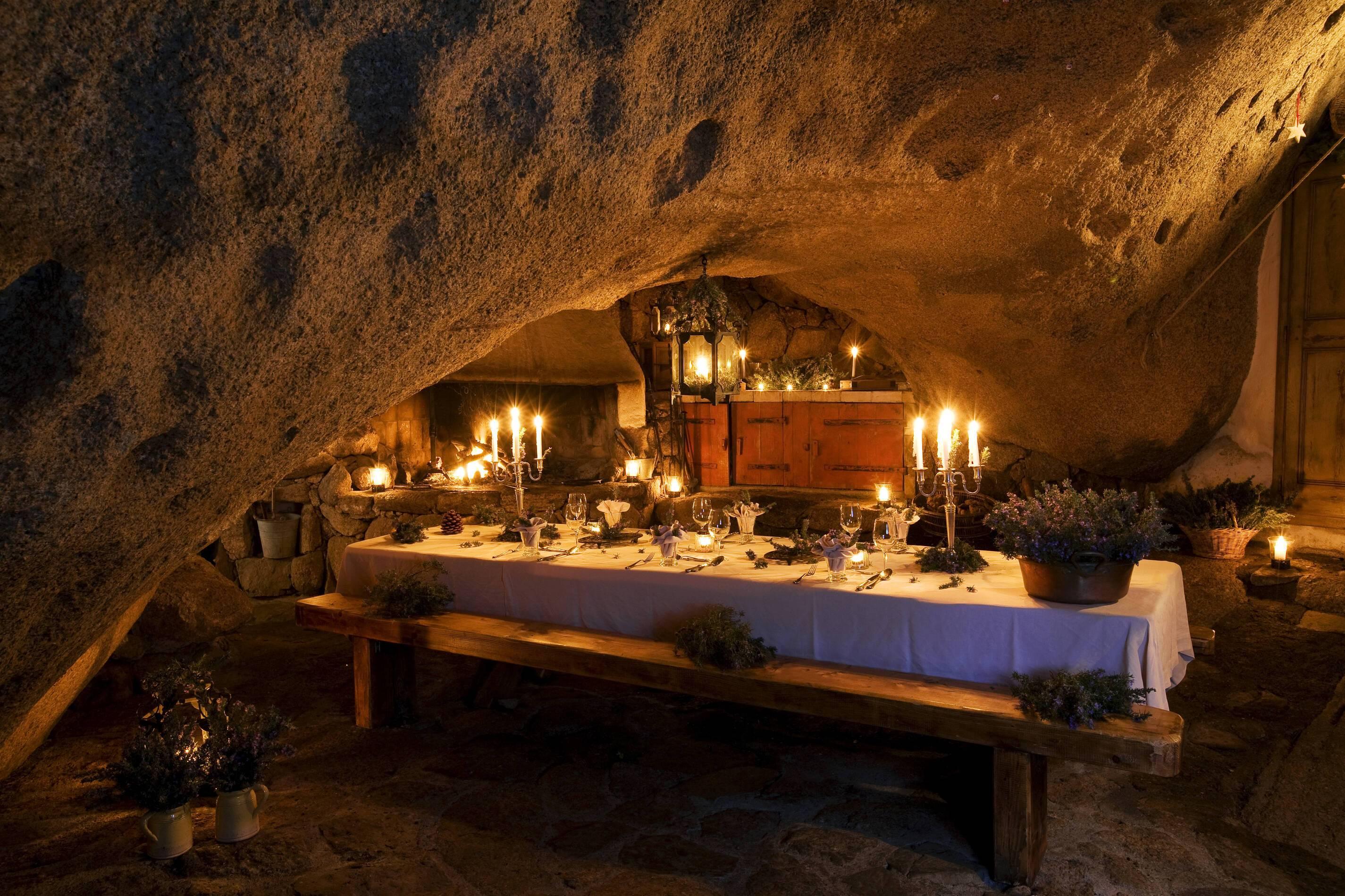 Domaine De Murtoli Restaurant Grotto Corse Camille Moirenc