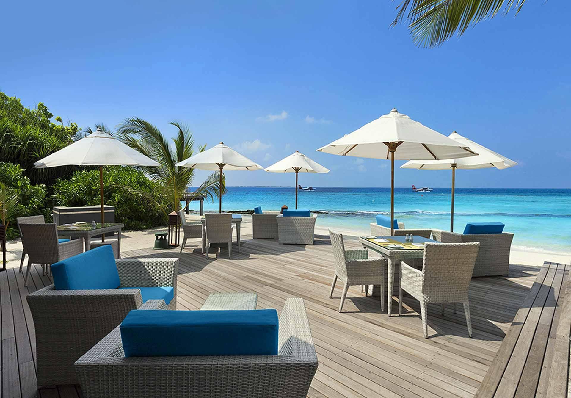 JA Manafaru Bar Maldives