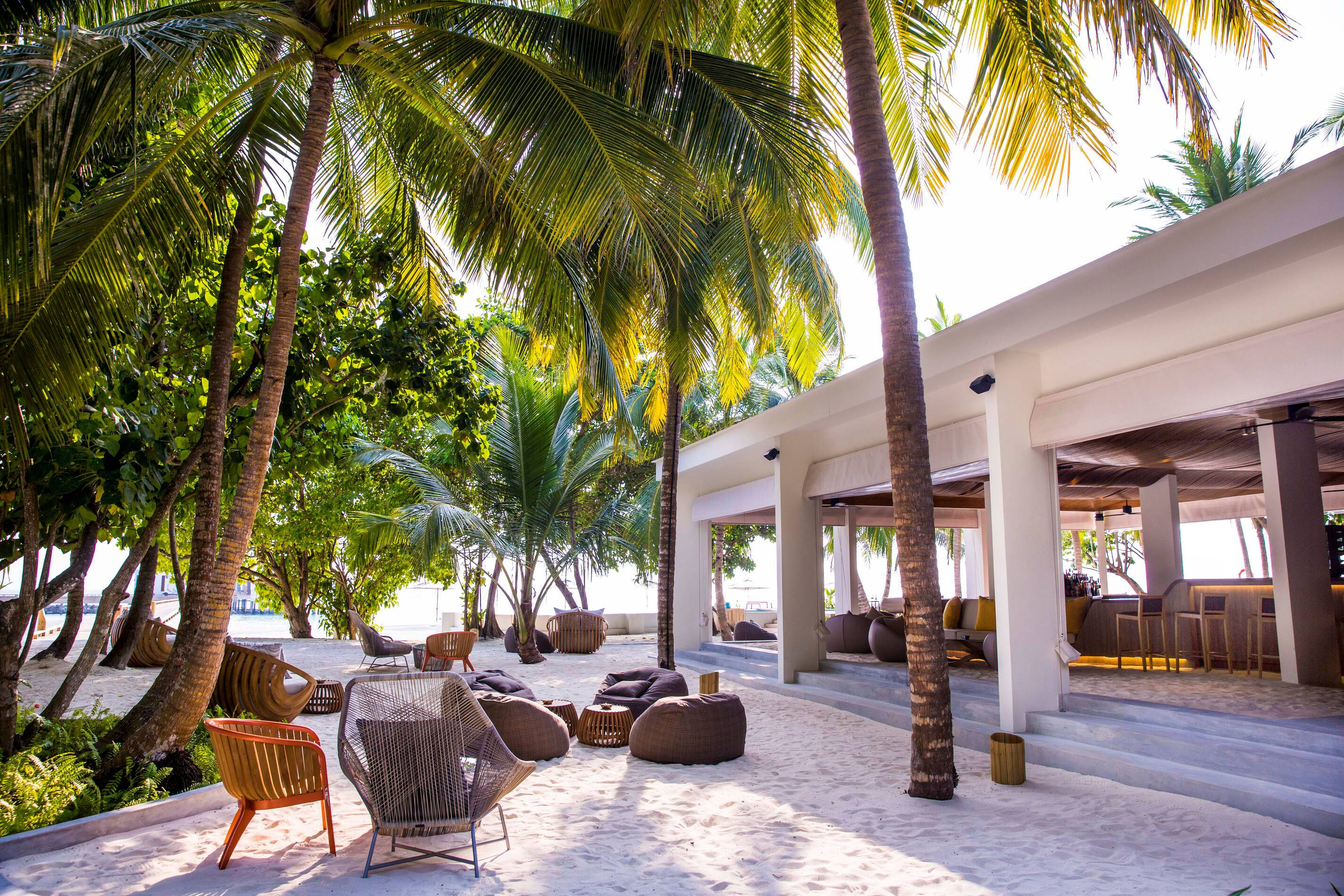 Amilla Maldives Resort Baazaar Bar