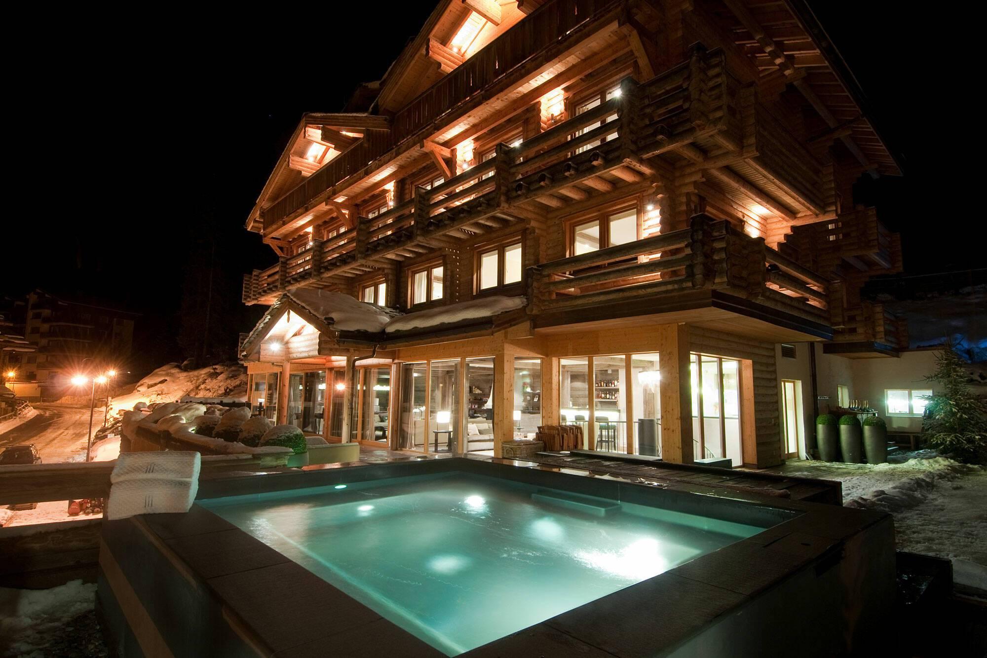 The Lodge Verbier Suisse Virgin Hot Tub